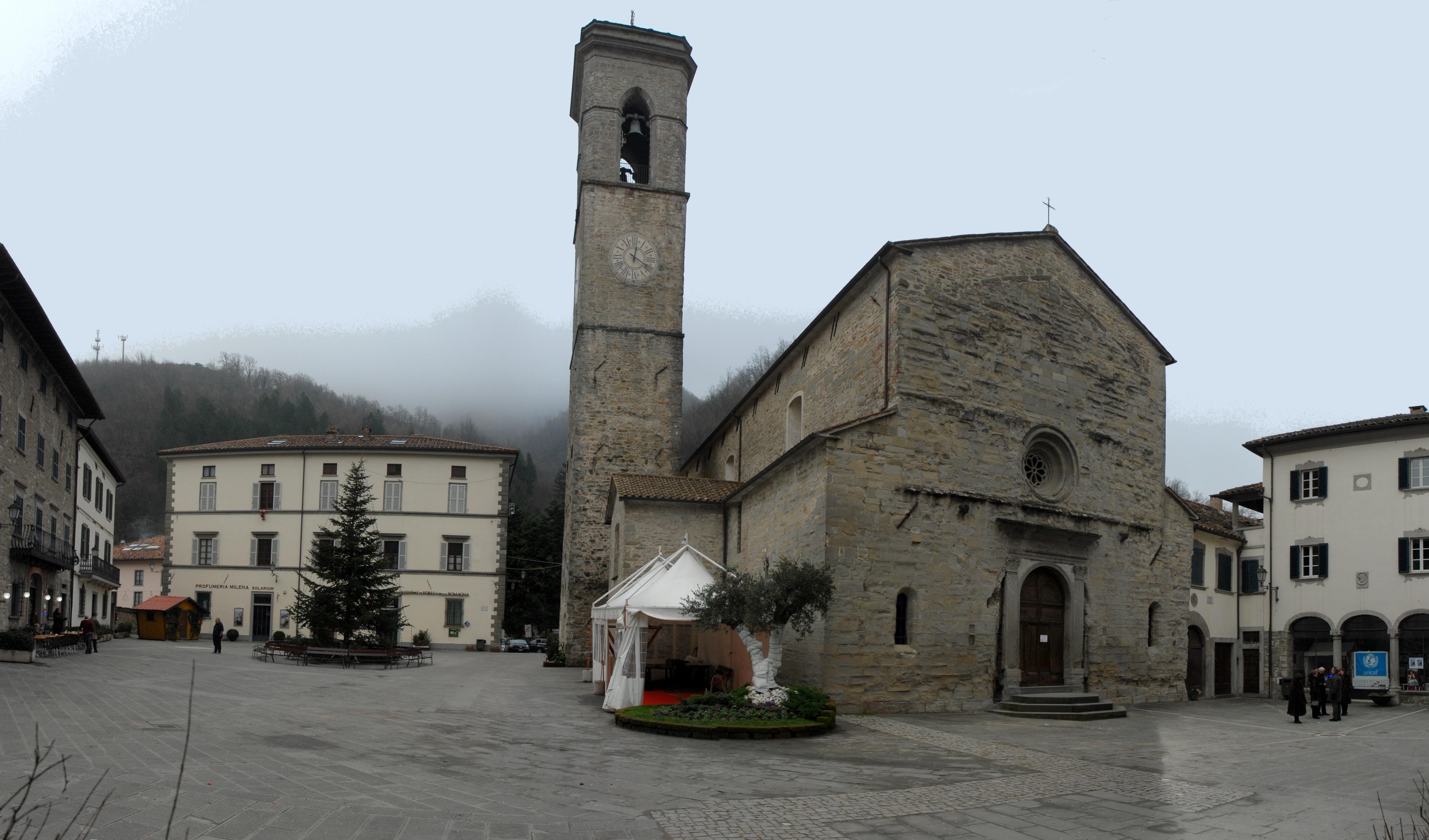 File:Piazza Ricasoli e Santa Maria Assunta (Bagno di Romagna).jpg ...