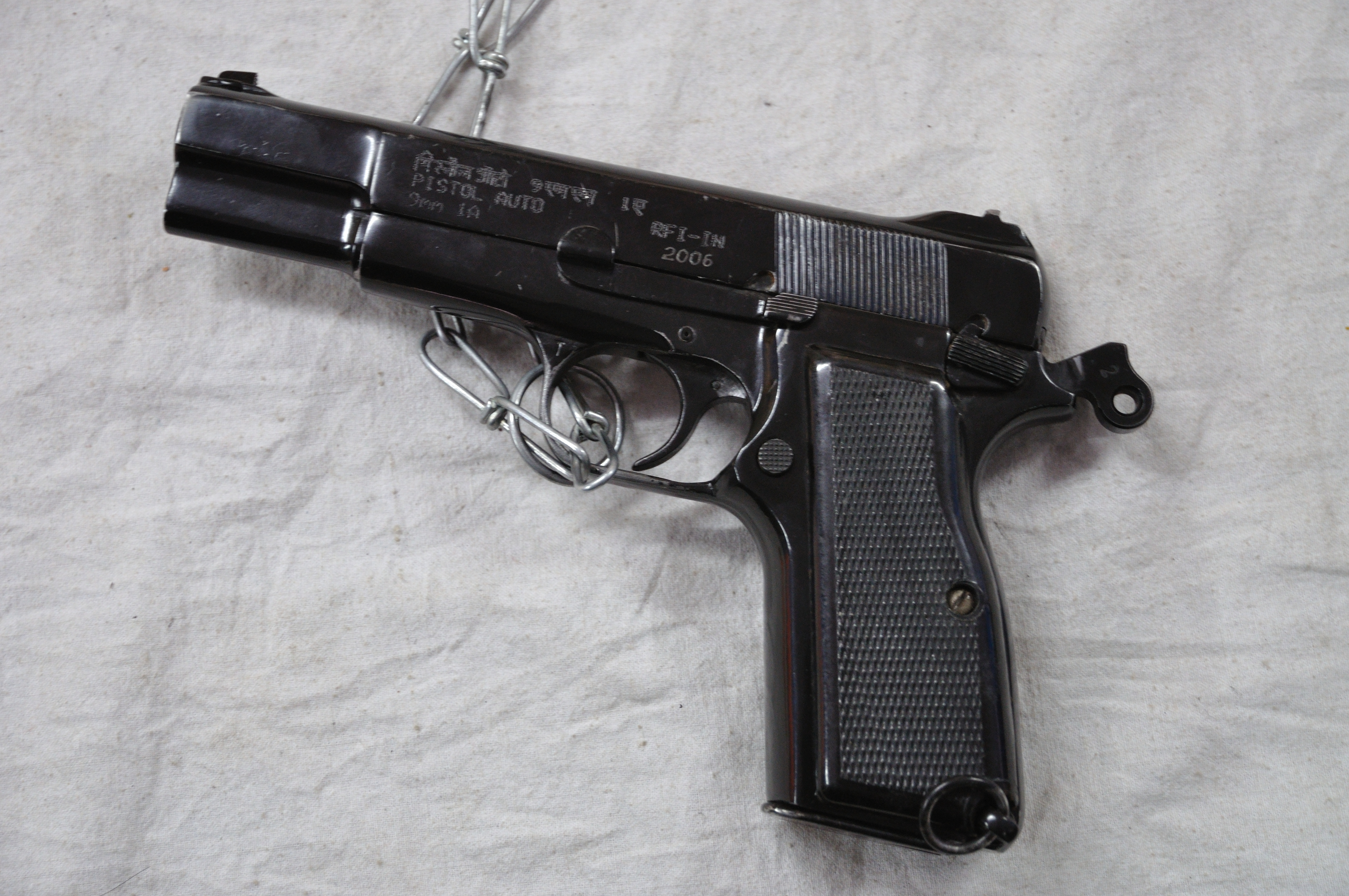 Pistol Auto 9mm 1A - Wikipedia