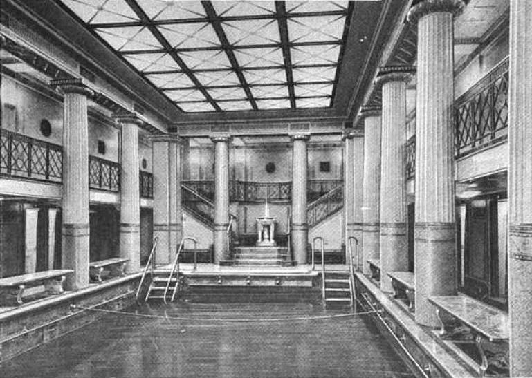 File rms majestic 39 s swimming pool 1922 jpg wikimedia commons - Did the titanic have swimming pools ...