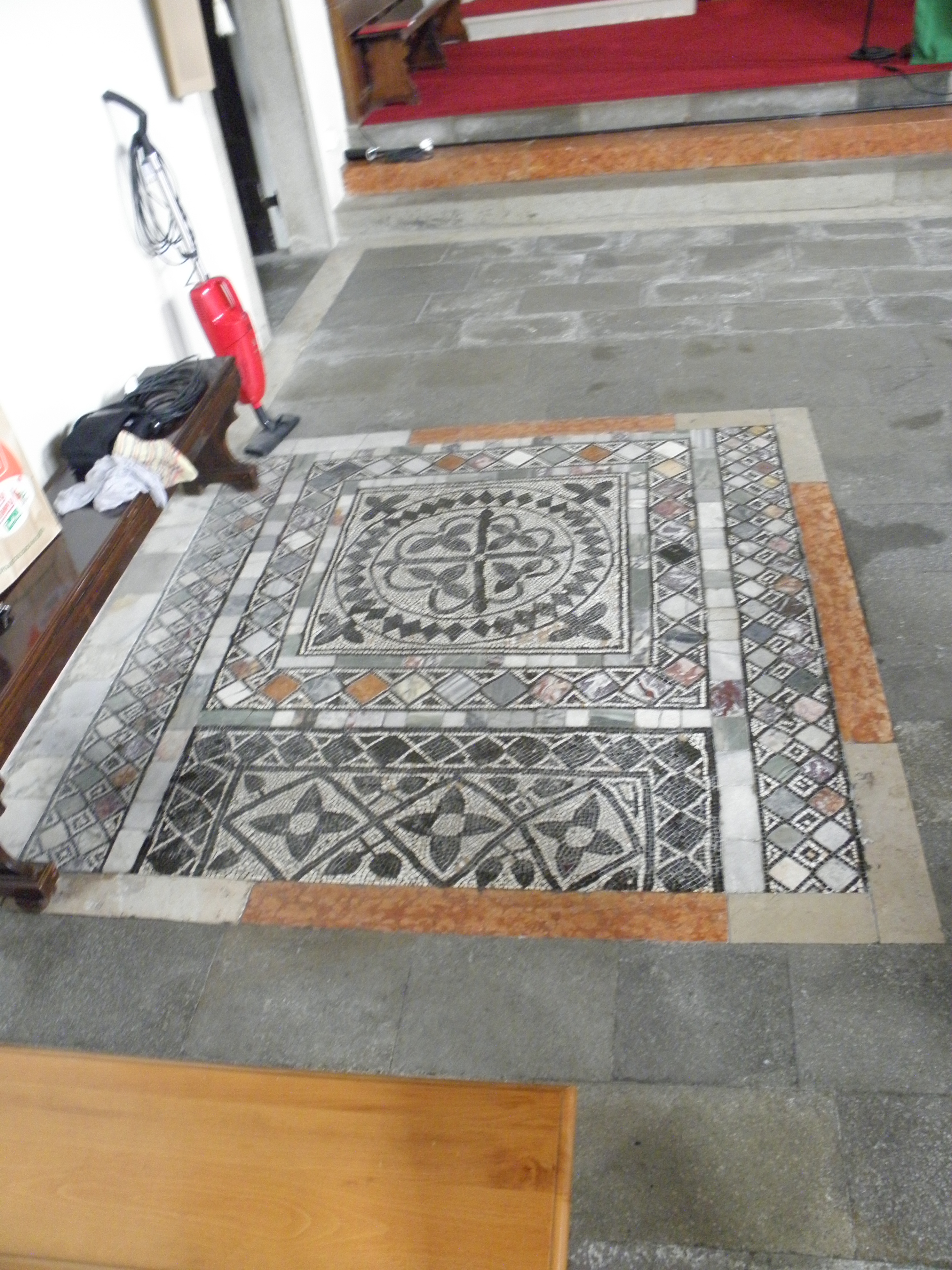 File santo stefano mosaico pavimento 3 carrara santo for Mosaico pavimento