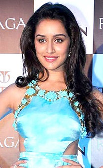 Shraddha Kapoor launches the Raga Pearls collection of watches by Titan. (5).jpg
