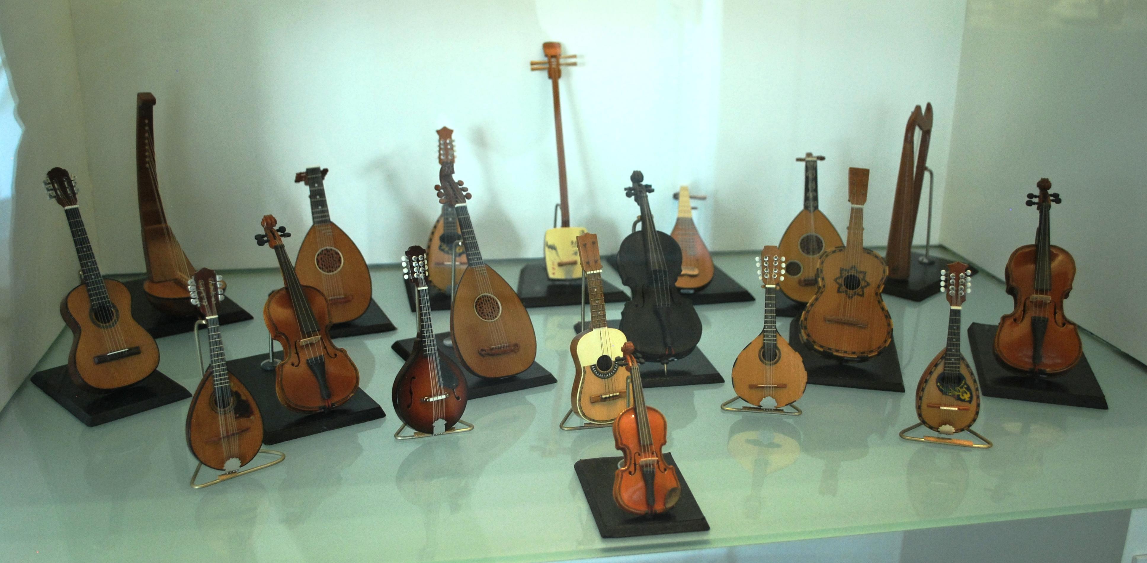 Depiction of Instrumento de cuerda