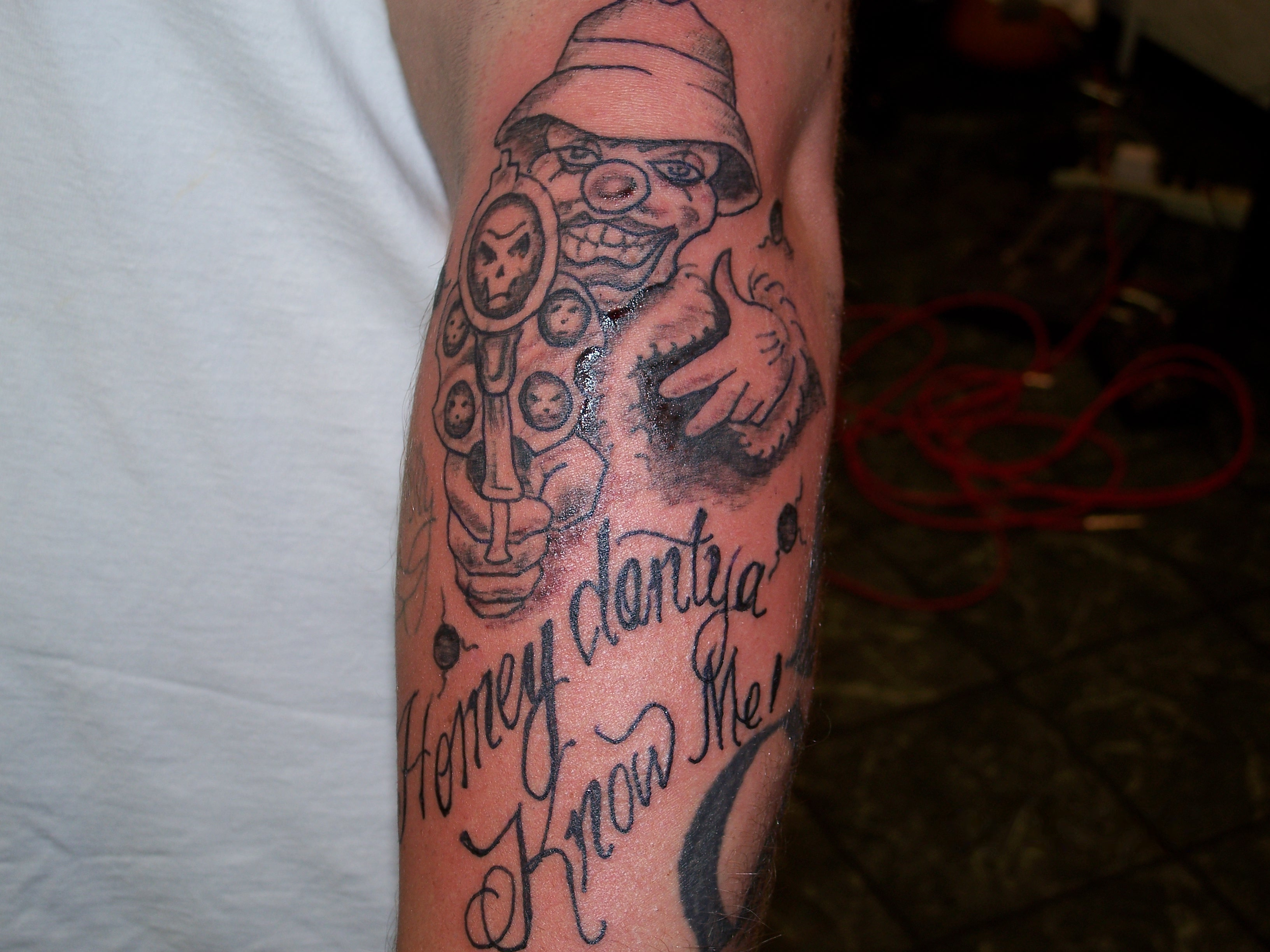 Pin By Sabrina On Tattoos Gangster Tattoos