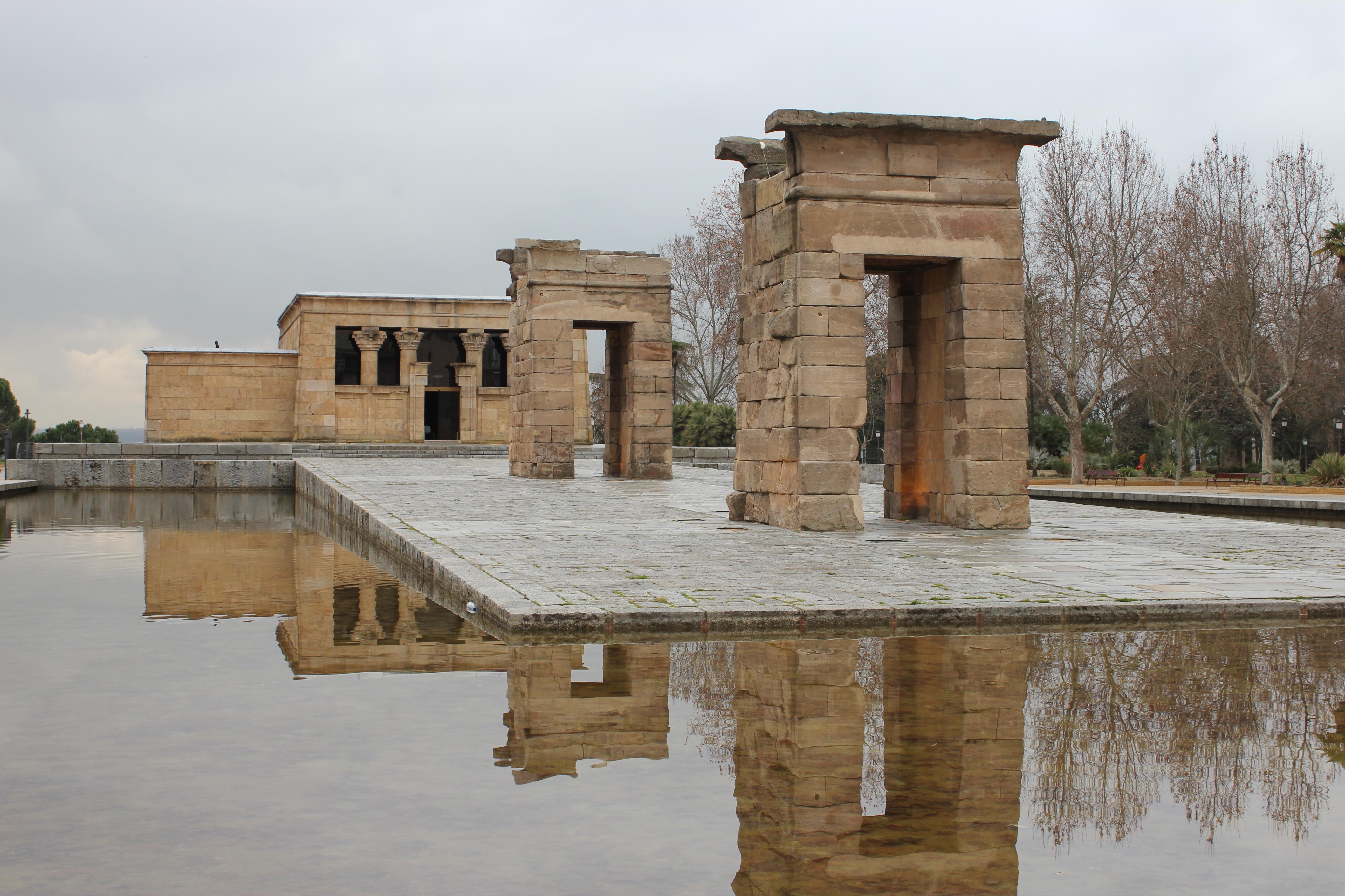 File:Templo de Debod - Madrid (ES).JPG