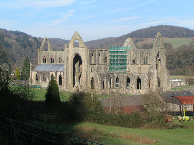 Tintern Abbey - geograph.org.uk - 683469