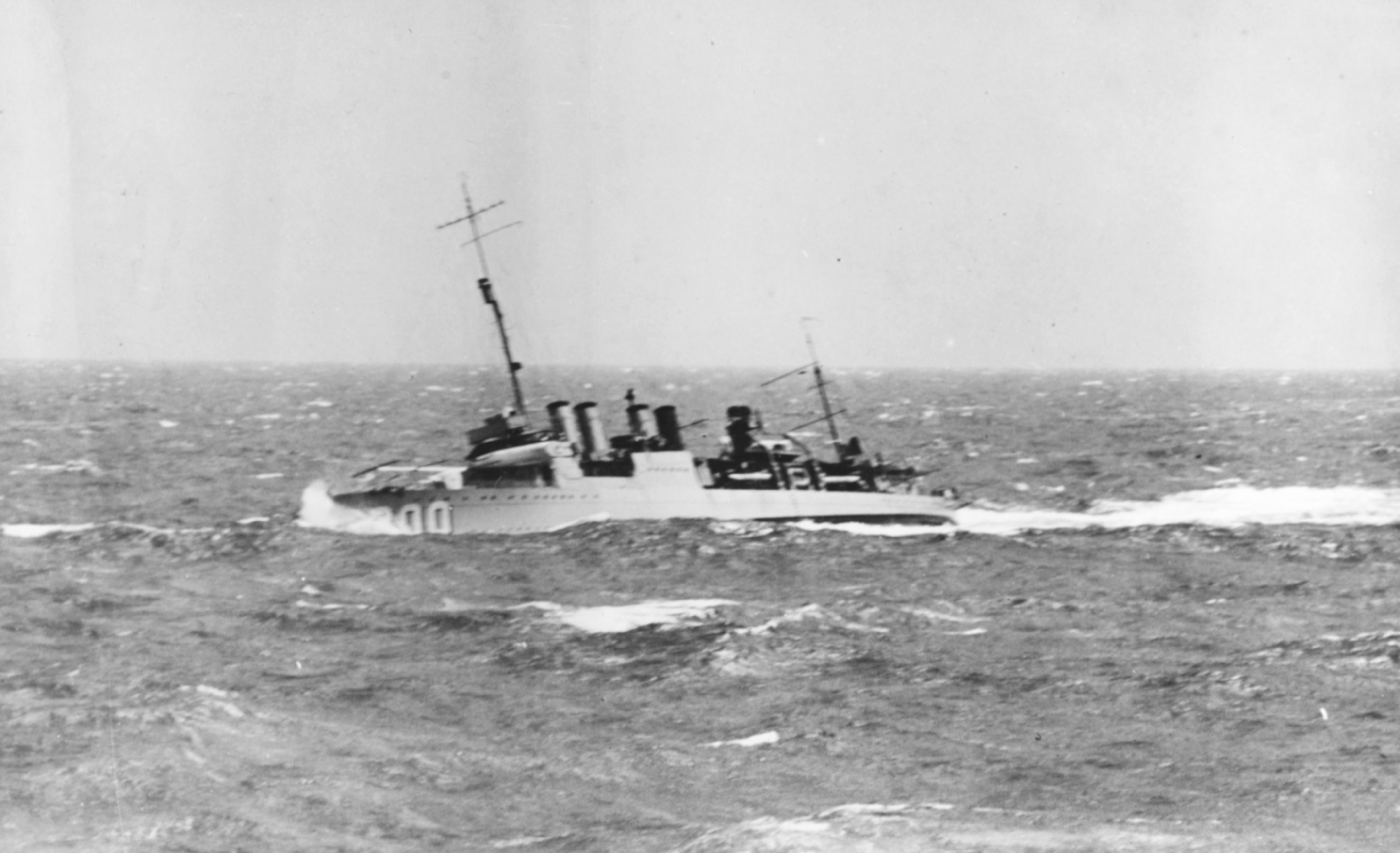 USS Farragut DD-300 | Us navy destroyers, Model ships, Warship