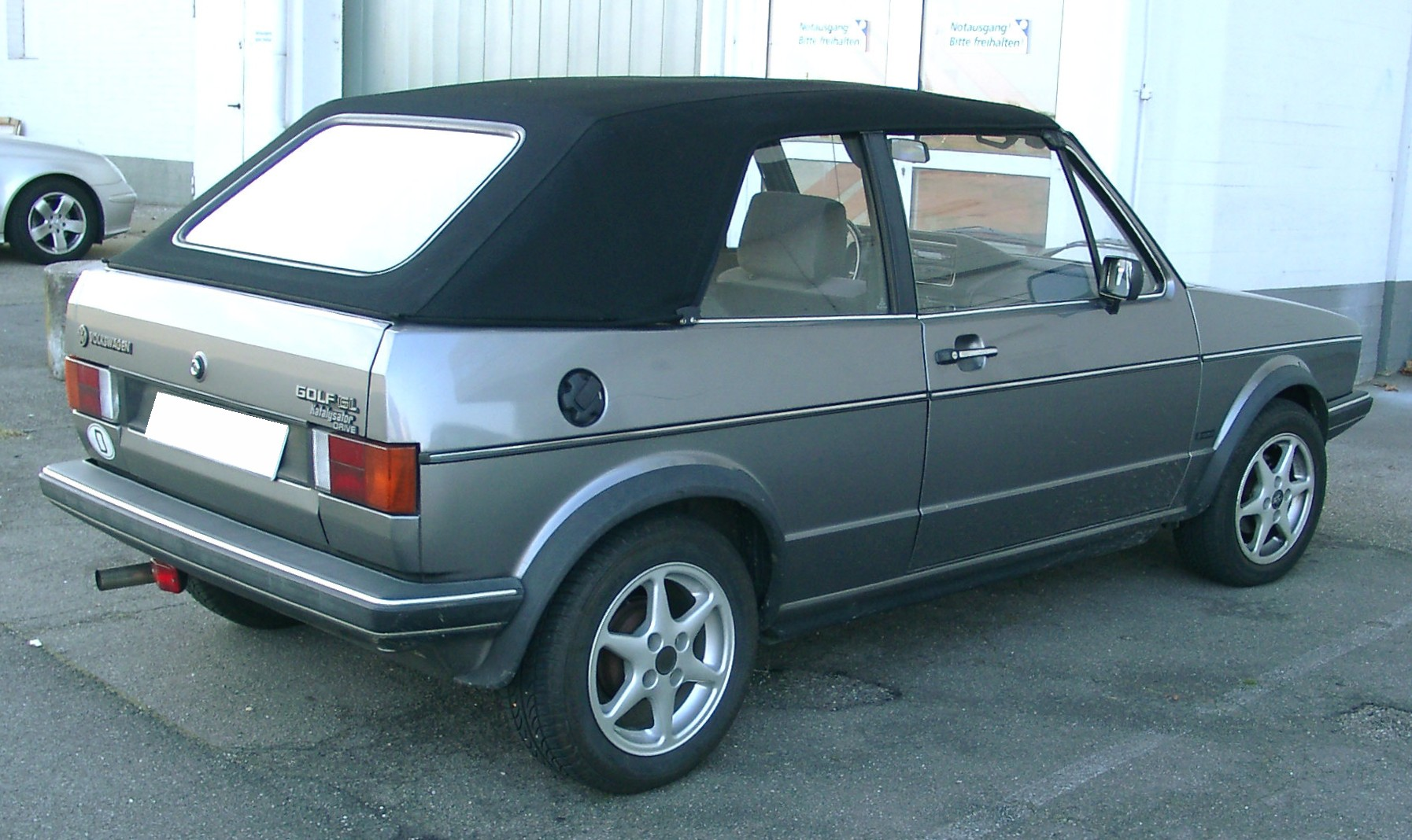 file vw golf 1 cabrio rear wikimedia commons. Black Bedroom Furniture Sets. Home Design Ideas