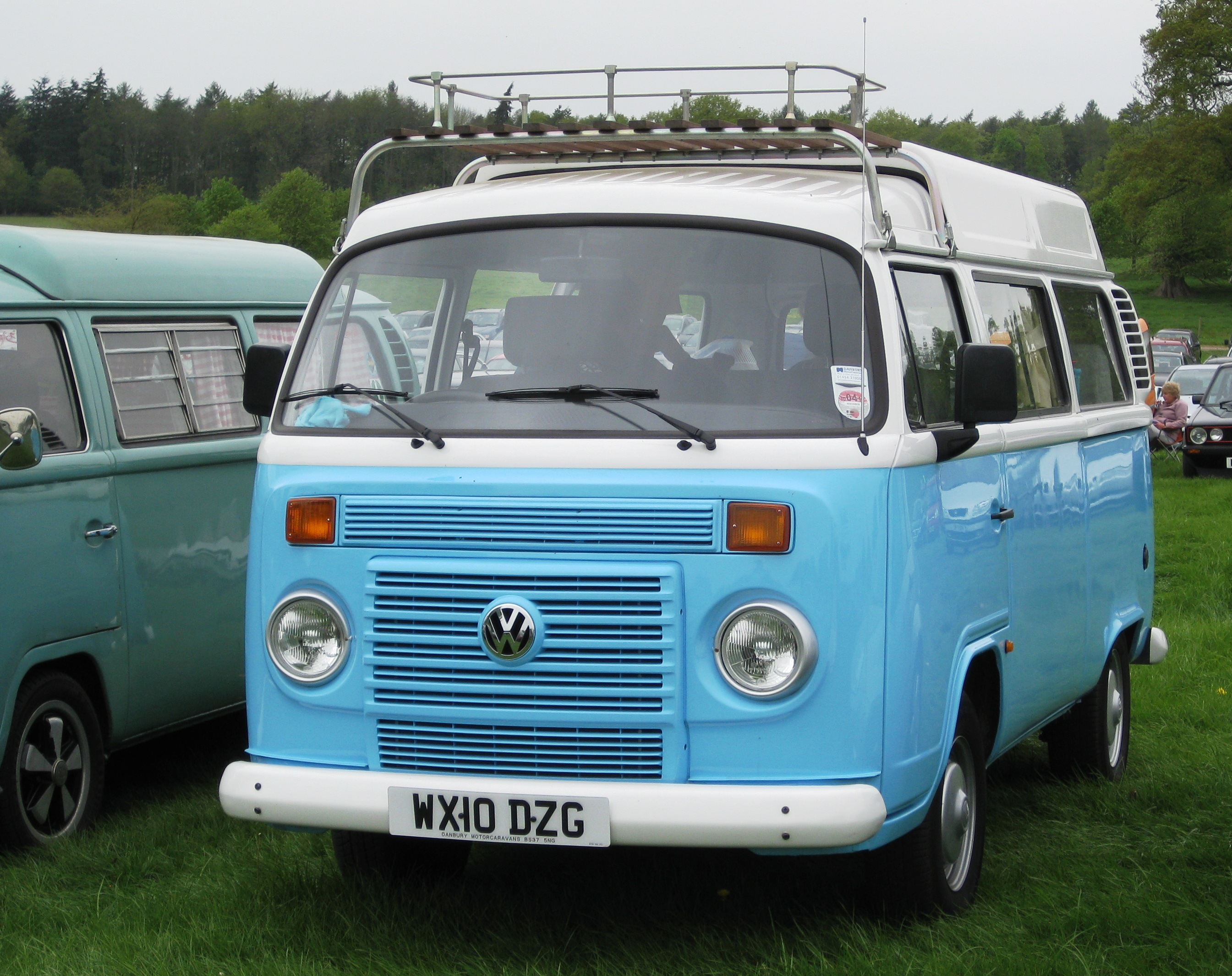 File Volkswagen Typ2 Based Kombi In 2010 From Brazil With Watercooled Motor First Registered May 2010 1390cc Jpg Wikimedia Commons