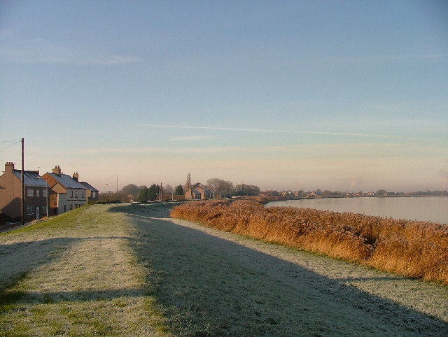 File:Whitgift, dyke and Ouse.jpg
