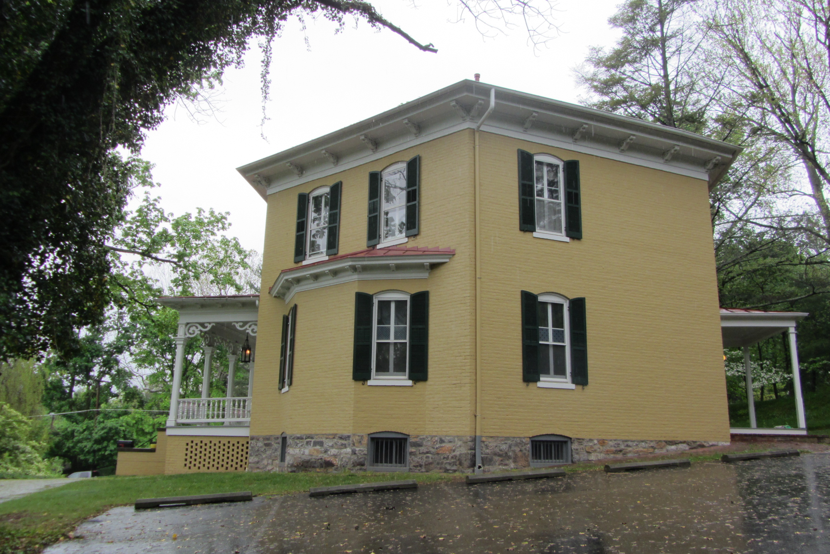 File Winchesterva Hexagonhouse Sideview Jpg Wikimedia