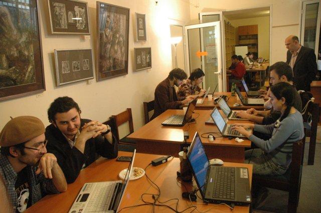 https://upload.wikimedia.org/wikipedia/commons/1/1f/Workshop_2011.2.jpg