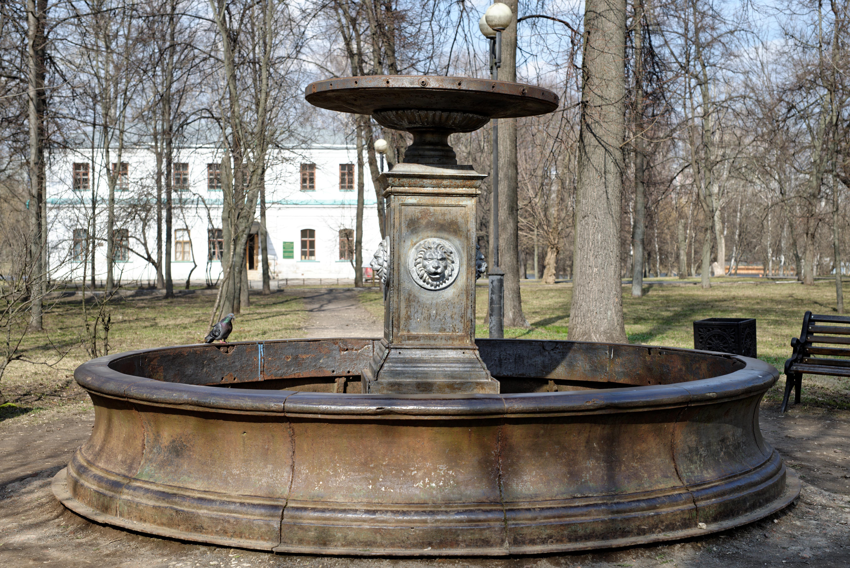 Файл:Фонтан 1859г. в усадьбе Измайлово. Москва The fountain of 1859. In the manor Izmailovo. Moscow.jpg