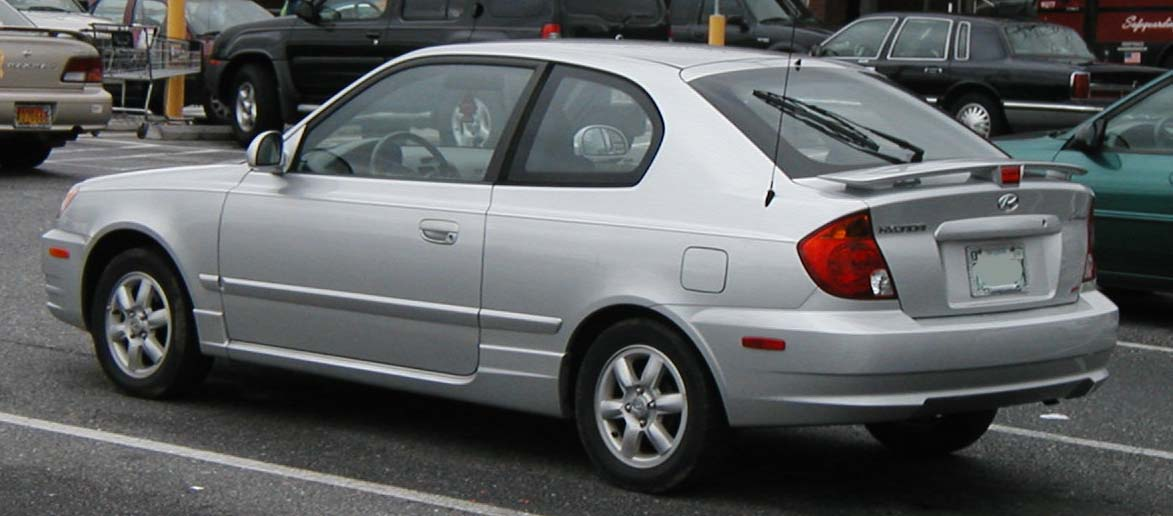 File:03-05 Hyundai Accent hatchback.jpg - Wikimedia Commons