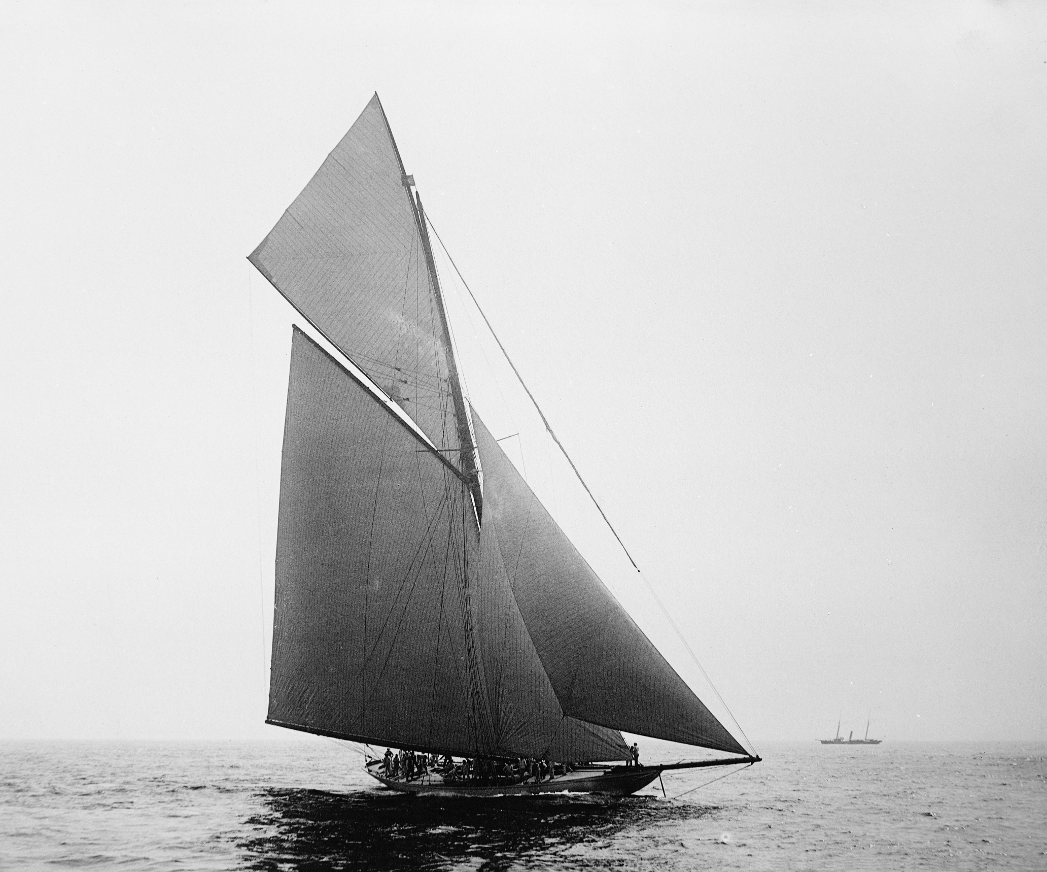 English: Racing yacht 'Valkyrie III', 1895. Ph...