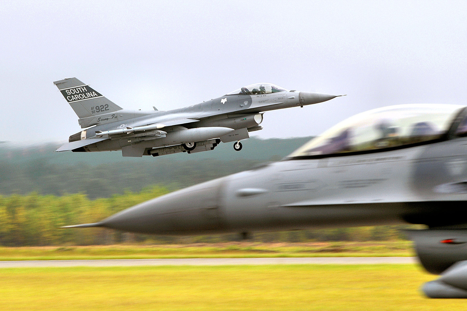 File:169th Fighter Wing - F-16 takeoff jpg - Wikimedia Commons