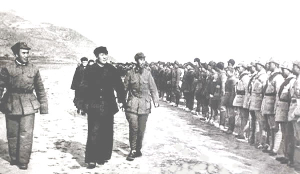 Mao inspecting China's Red Army