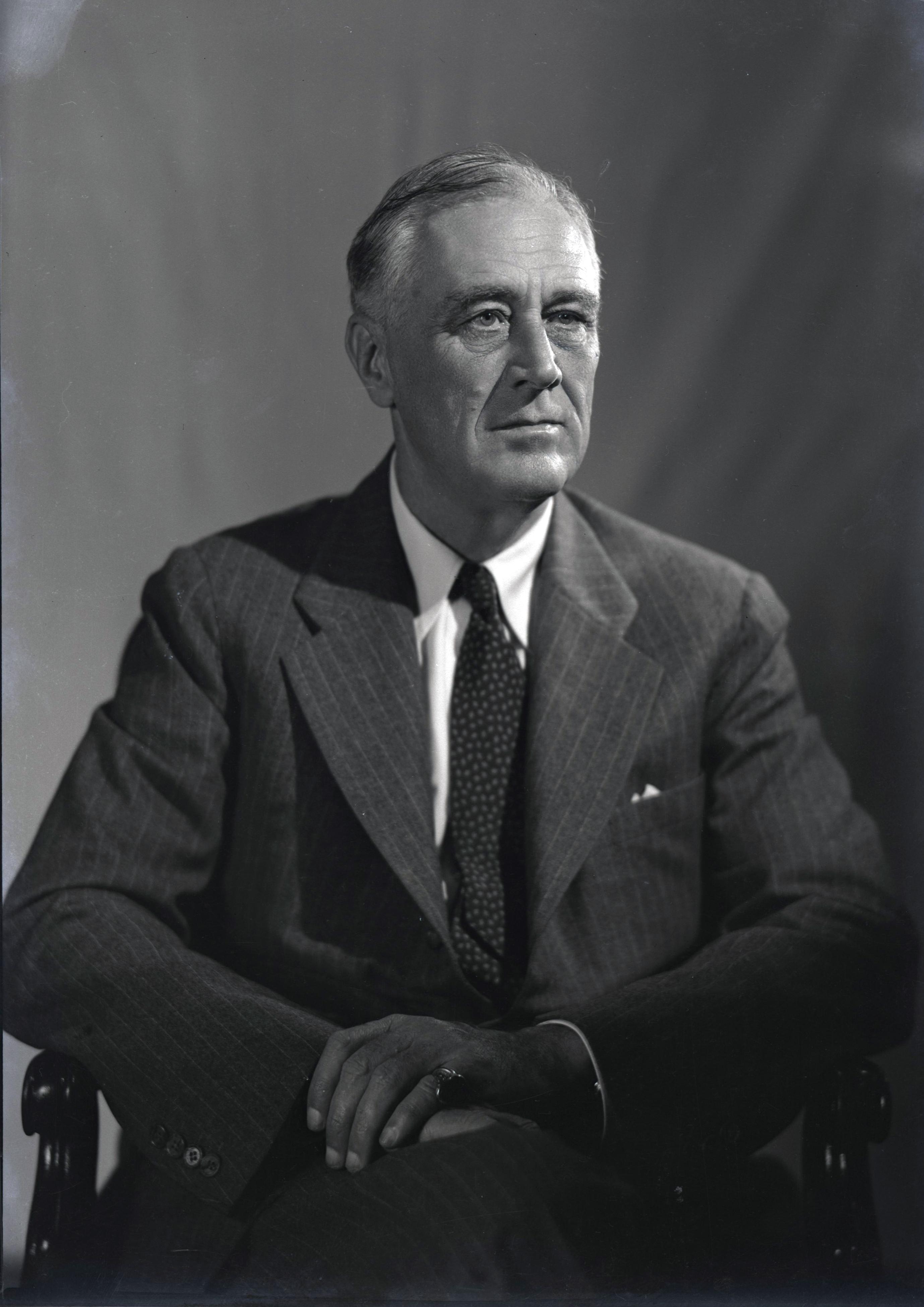 File:1944 portrait of FDR (1).jpg