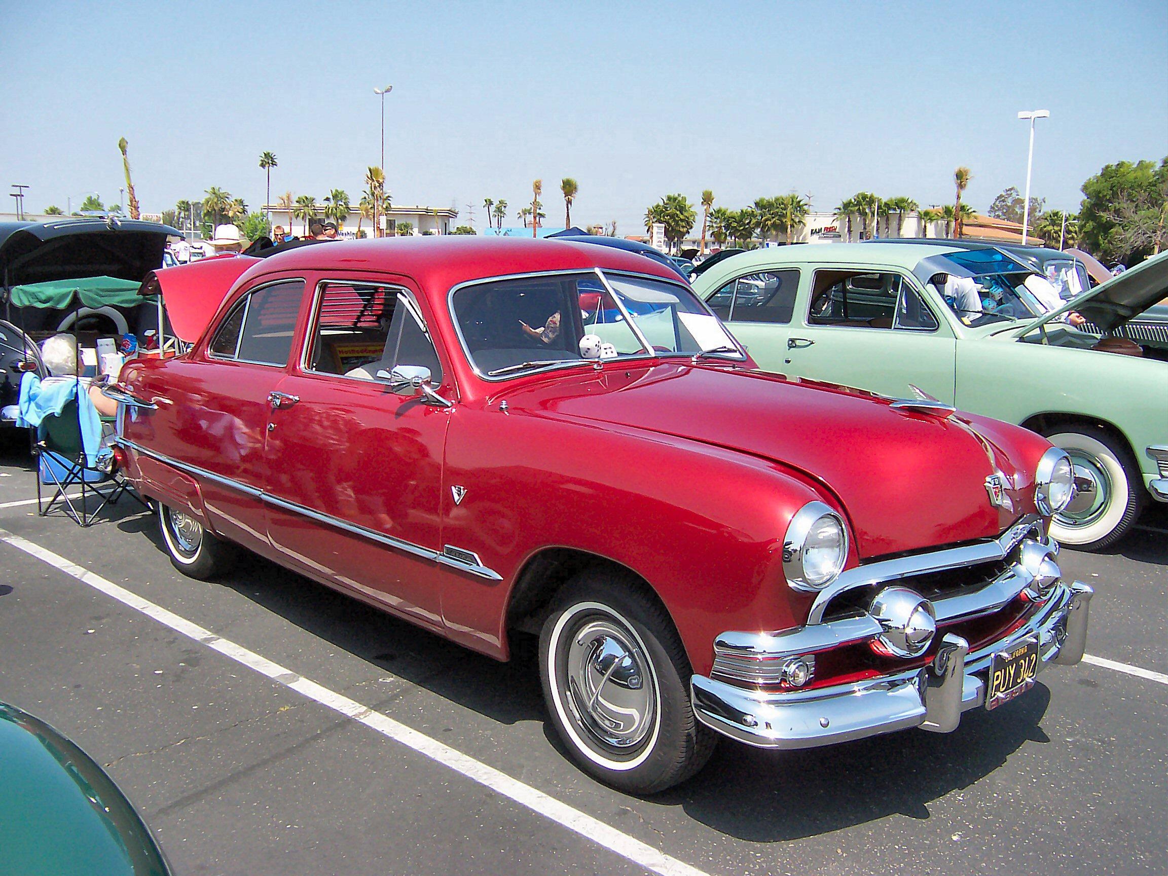 Alfa img showing gt 1951 ford custom 4 door