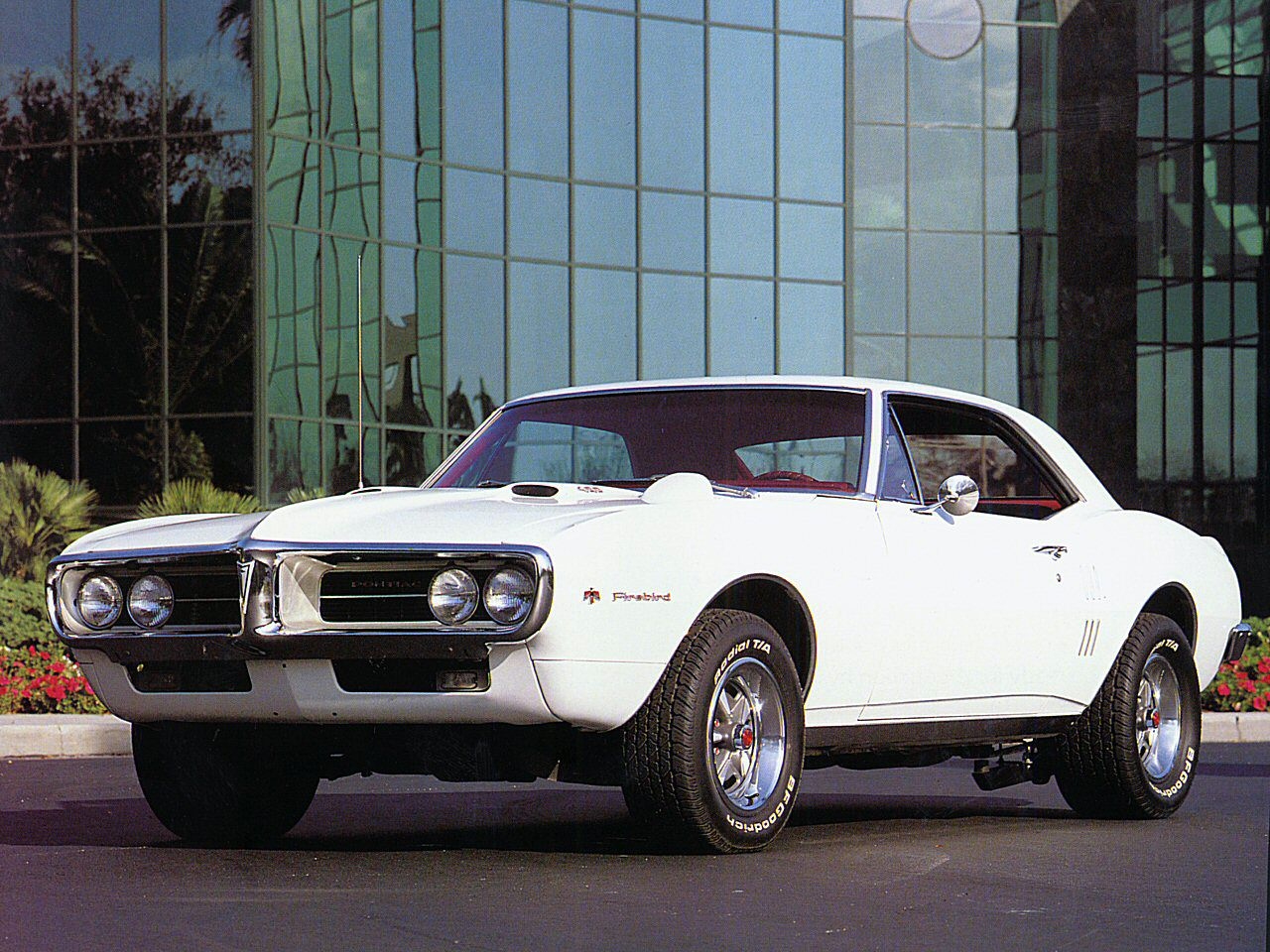 File 1967 Pontiac Firebird 400 Sport Coupe w Hood Tac h White Low Frt Qtr also Fourth Range Rover Model Scooped Latest News On Land Rovers X6 Rival together with 2292 in addition History3 additionally Citroen Ds4 Courant Alternatif 479367. on morgan coupe