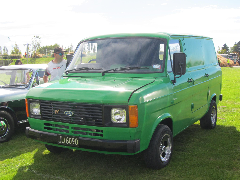Ford Transit Van >> File:1981 Ford Transit V8 Van (6974729448).jpg - Wikimedia Commons
