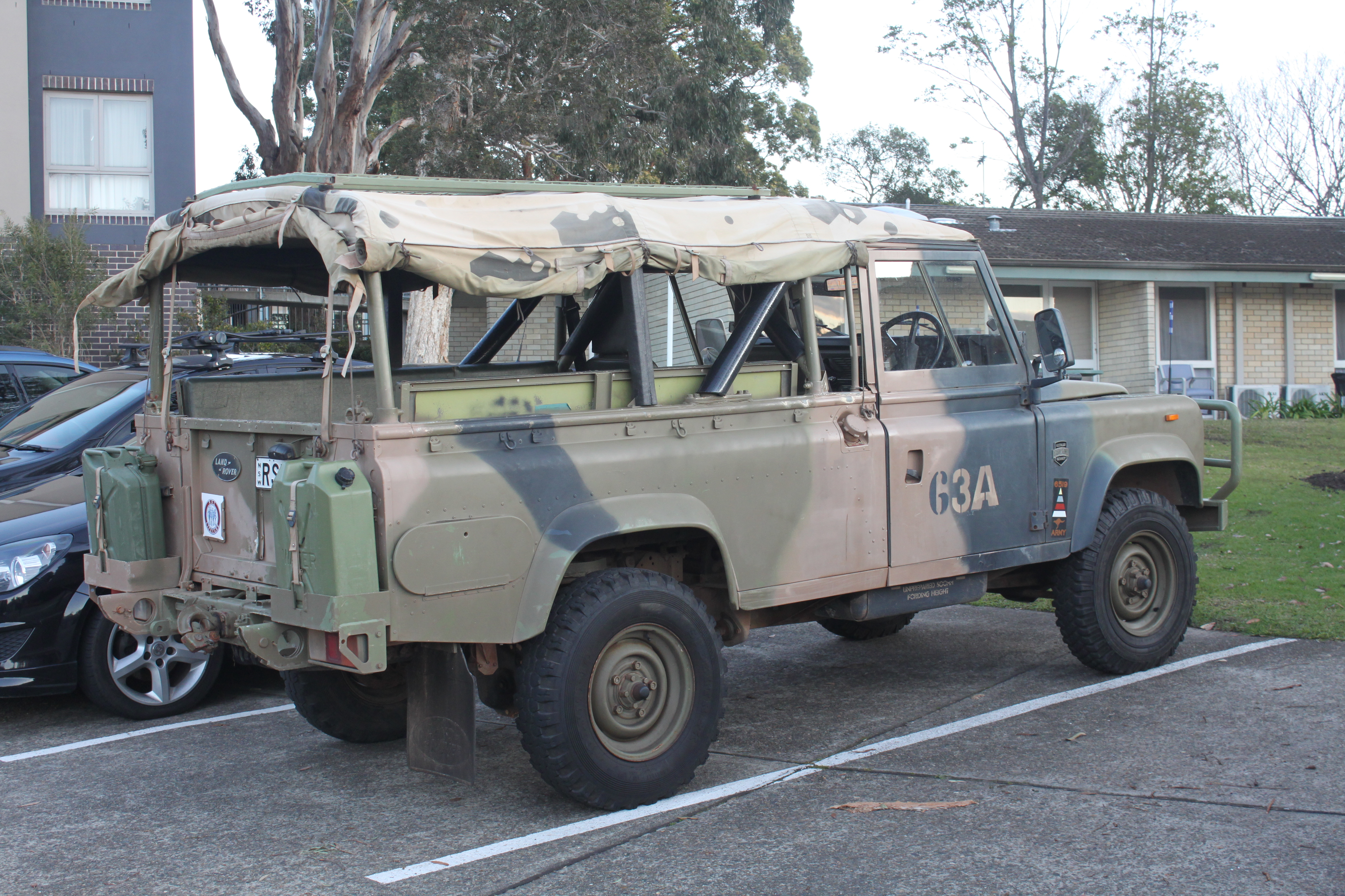 File 1988 Land Rover 110 County Ex Australian Army