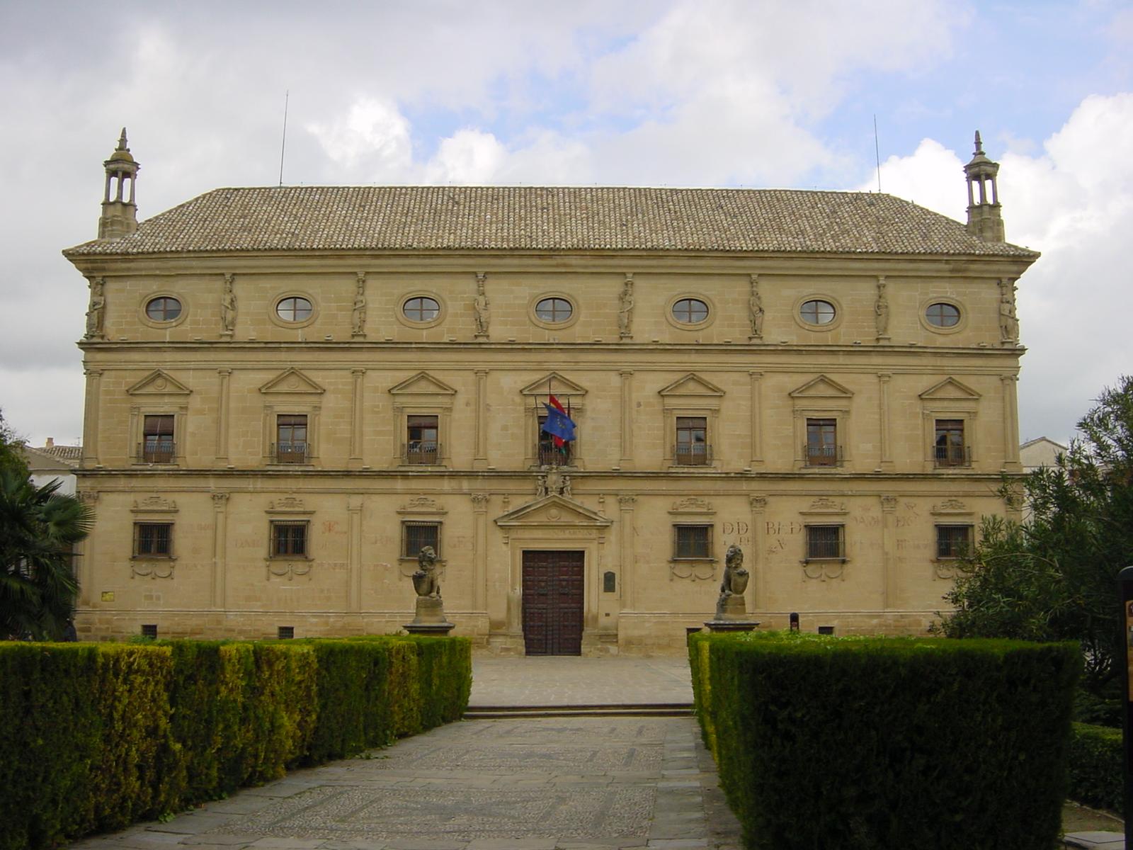 Palacio de las Cadenas - Wikipedia, la enciclopedia libre