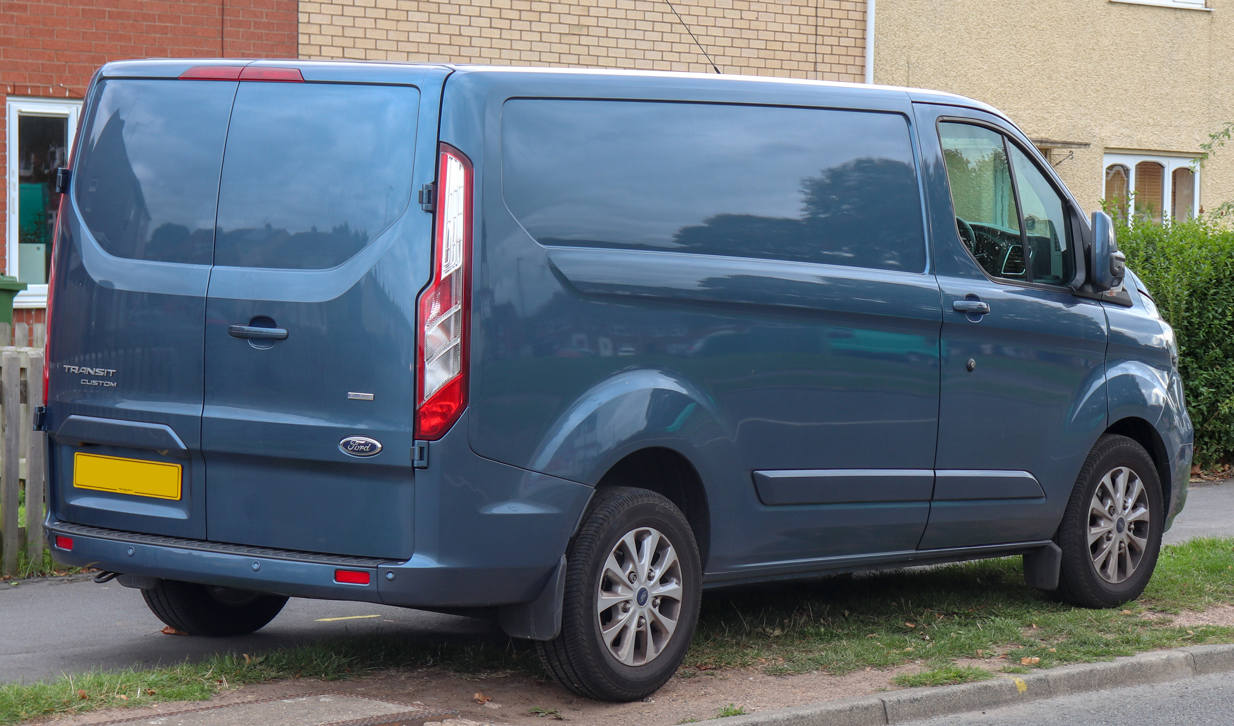 File:2018 Ford Transit Custom 280 Limited facelift 2 0 Rear