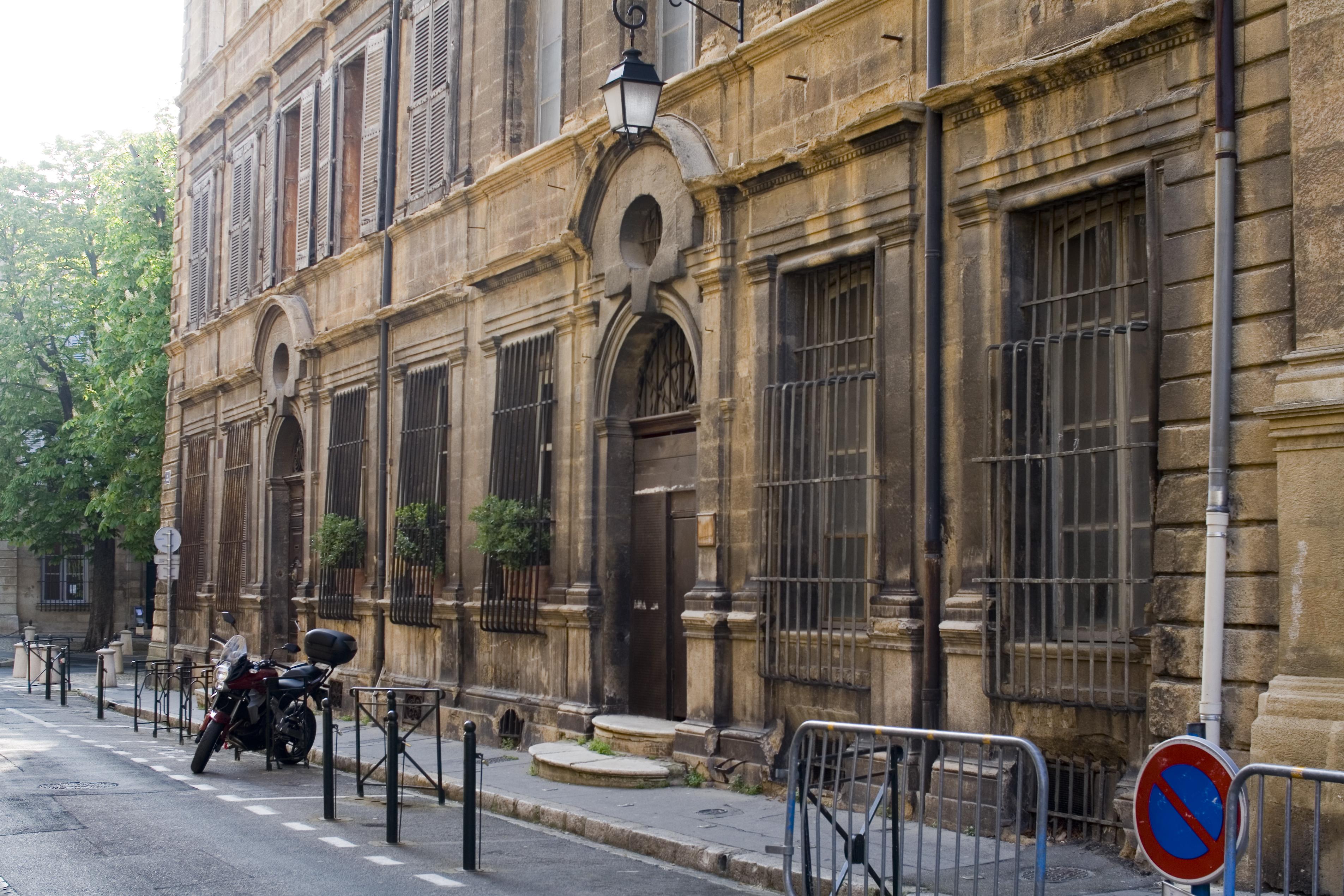 Hotel le cardinal aix en provence for Hotels 2 etoiles aix en provence