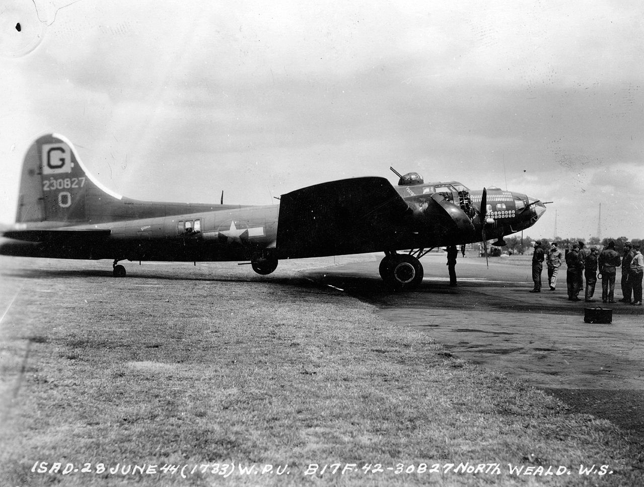 File:385th_Bombardment_Group_B 17F_Flying_Fortress_42 30827 on Number Formation