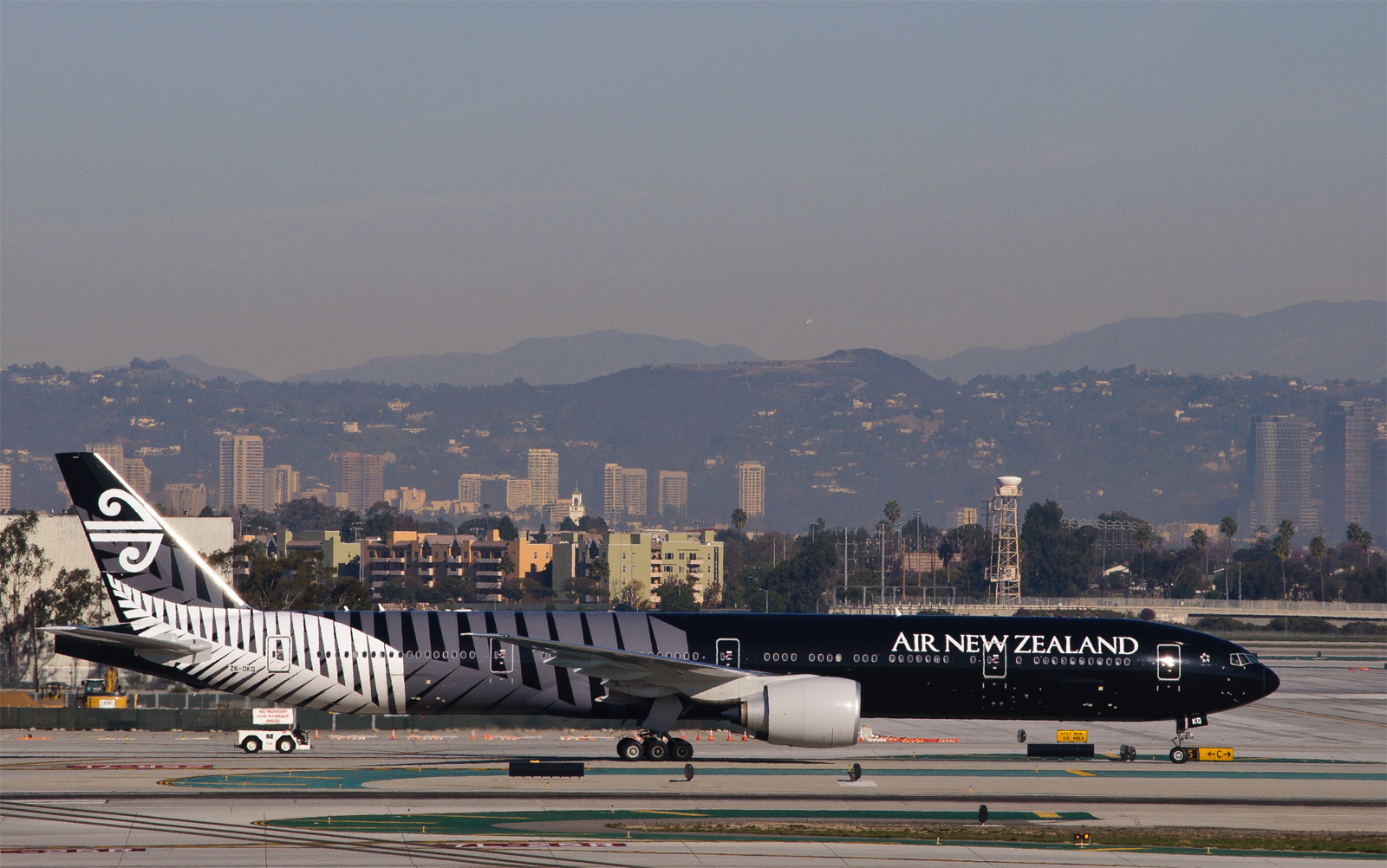 New Zealand, all blacks, airline, aviation, plane paint, cool airplane paint jobs