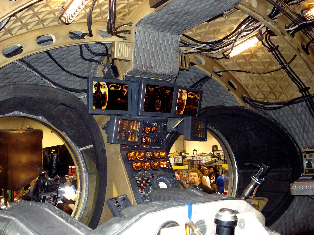 File:Archie (Nite Owl ship) 2.jpg - Wikimedia Commons