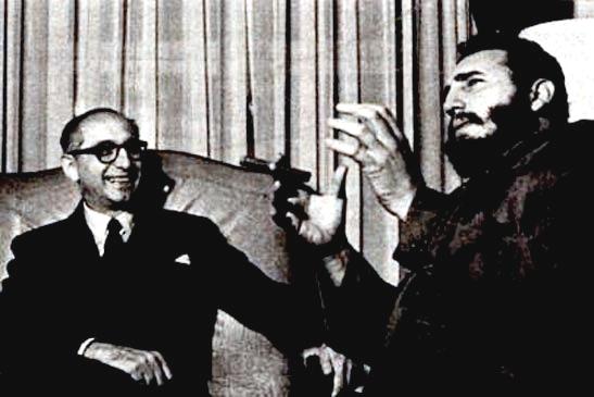 Arturo Frondizi presidente de Argentina con el líder de Cuba Fidel Castro. Esta reunión volvió mucho más tensa la relación del presidente argentino y los militares.