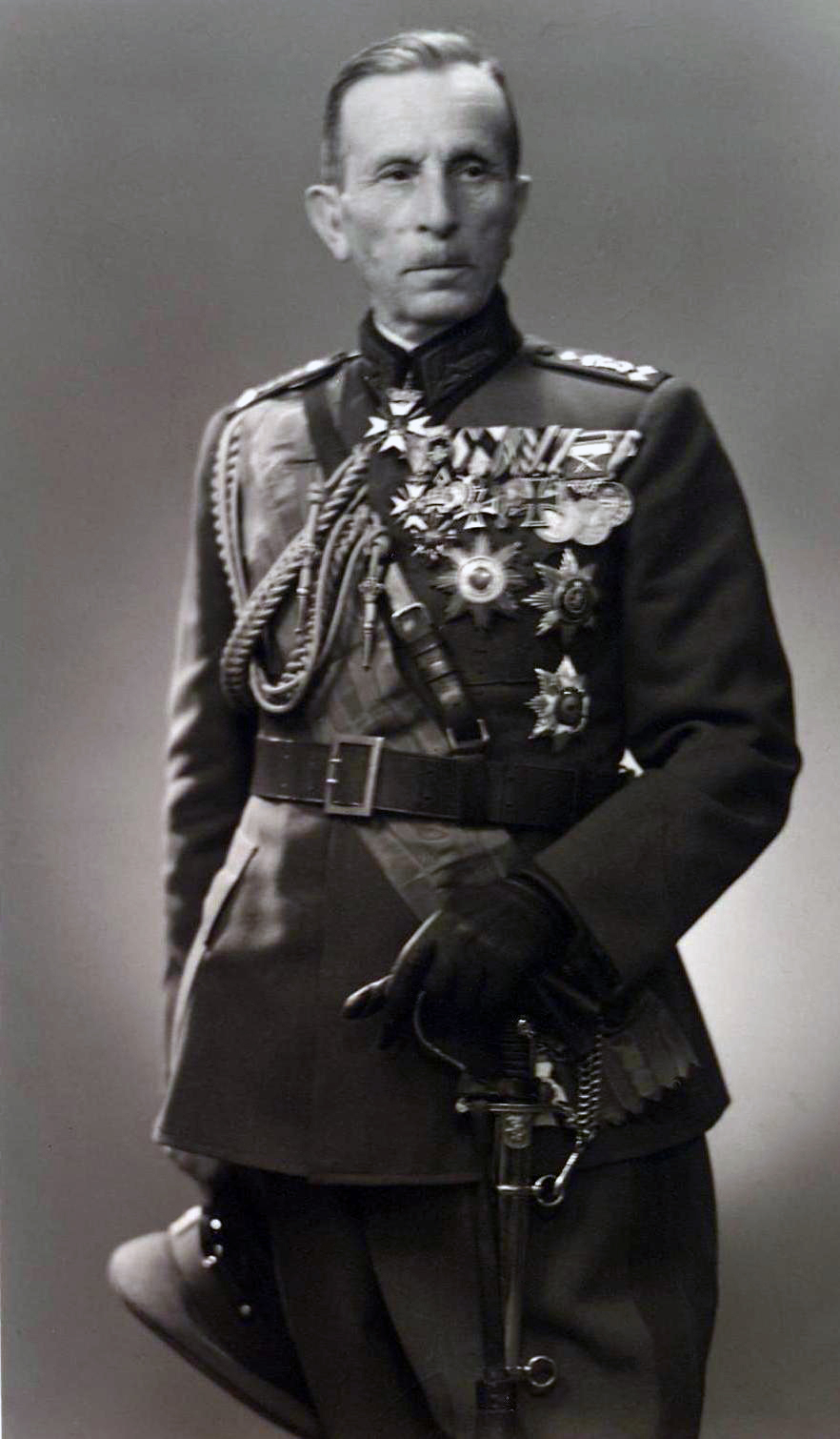 Резултат с изображение за генерал-майор Никола Жеков.