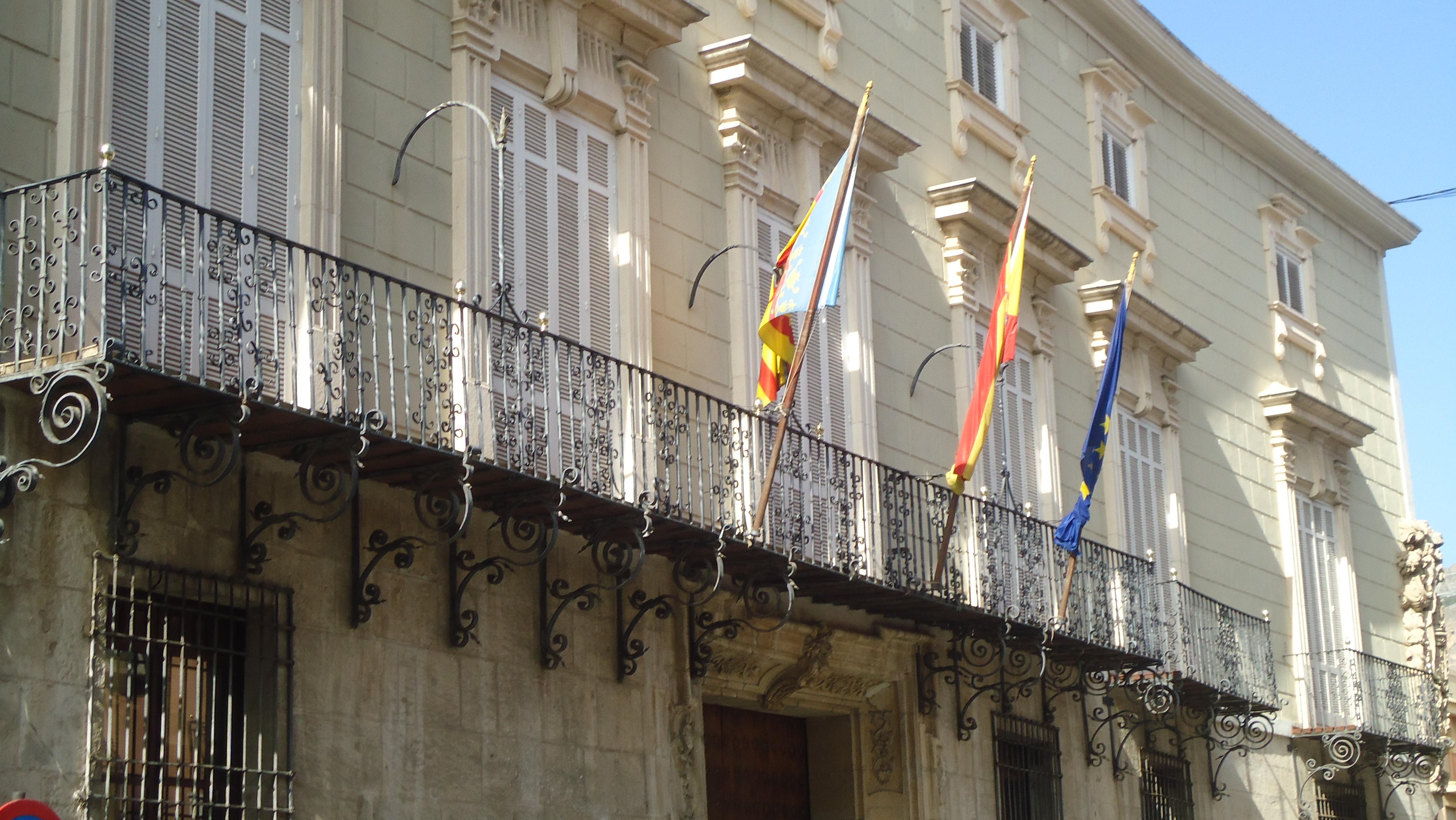 Archivo Balconada del Ayuntamiento de Orihuela.JPG - Wikipedia f877a000e0cd