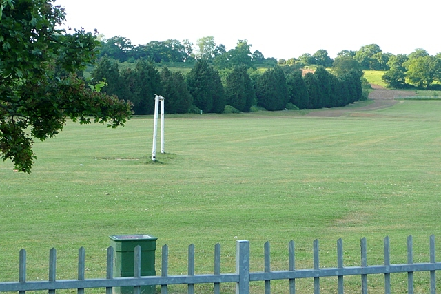 File:Calcot recreation ground - geograph.org.uk - 1331444.jpg
