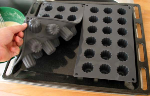 file canneles bordelais moules souples mini. Black Bedroom Furniture Sets. Home Design Ideas
