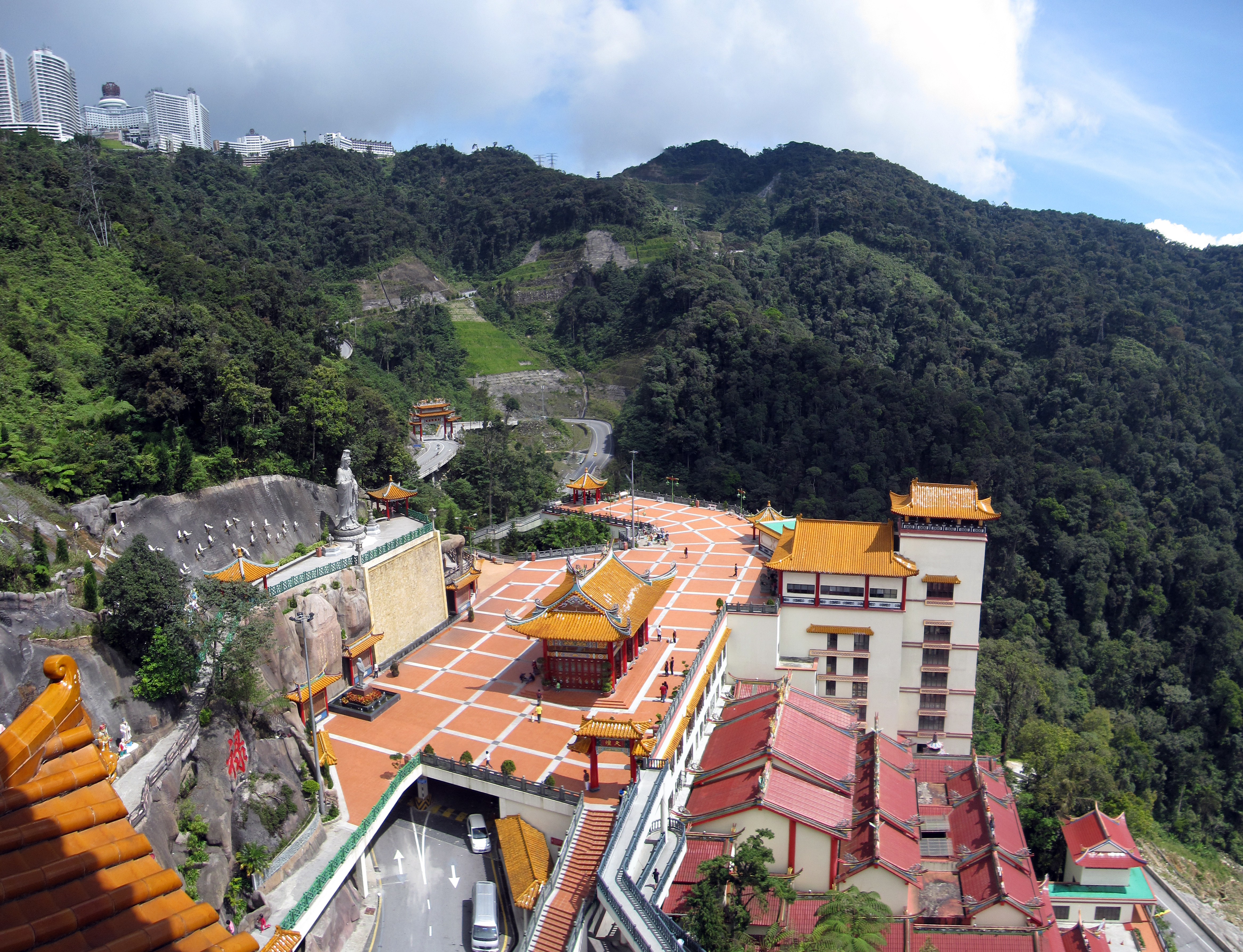 Description Chin Swee Caves Temple P3.jpg