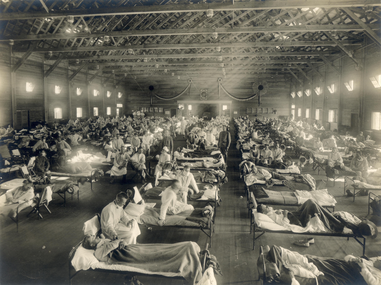 Rumah sakit darurat selama epidemi influenza, Camp Funston, Kansas. Rumah sakit darurat selama epidemi influenza (NCP 1603). (US National Museum of Health and Medicine)