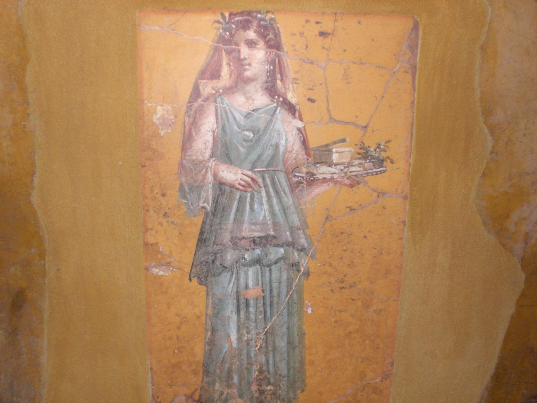 File:Fresco of woman with tray in Villa San Marco.jpg - Wikimedia ...