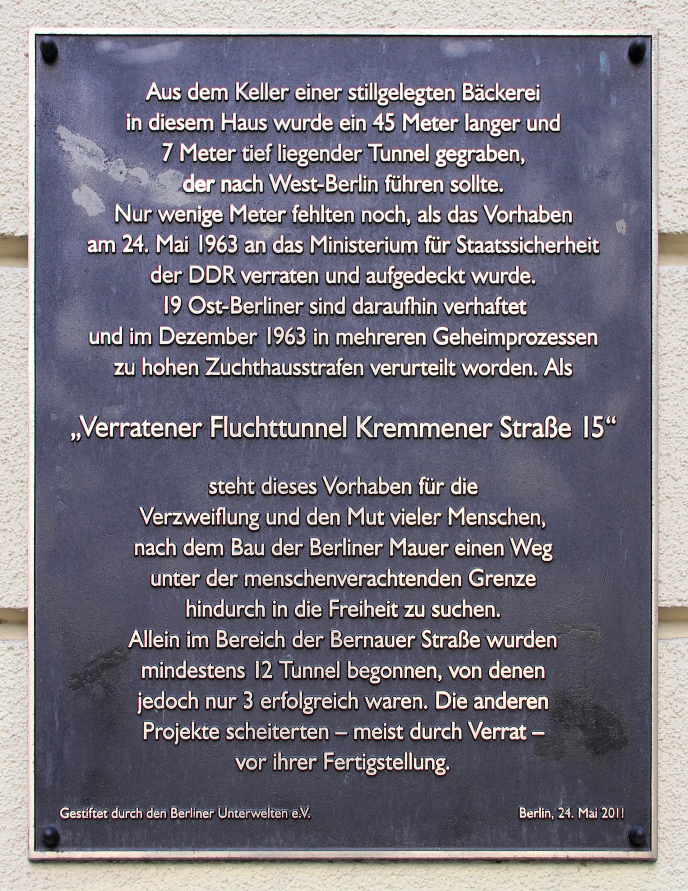 Gedenktafel Kremmener Str 15 (Mitte) Verratener Fluchttunnel