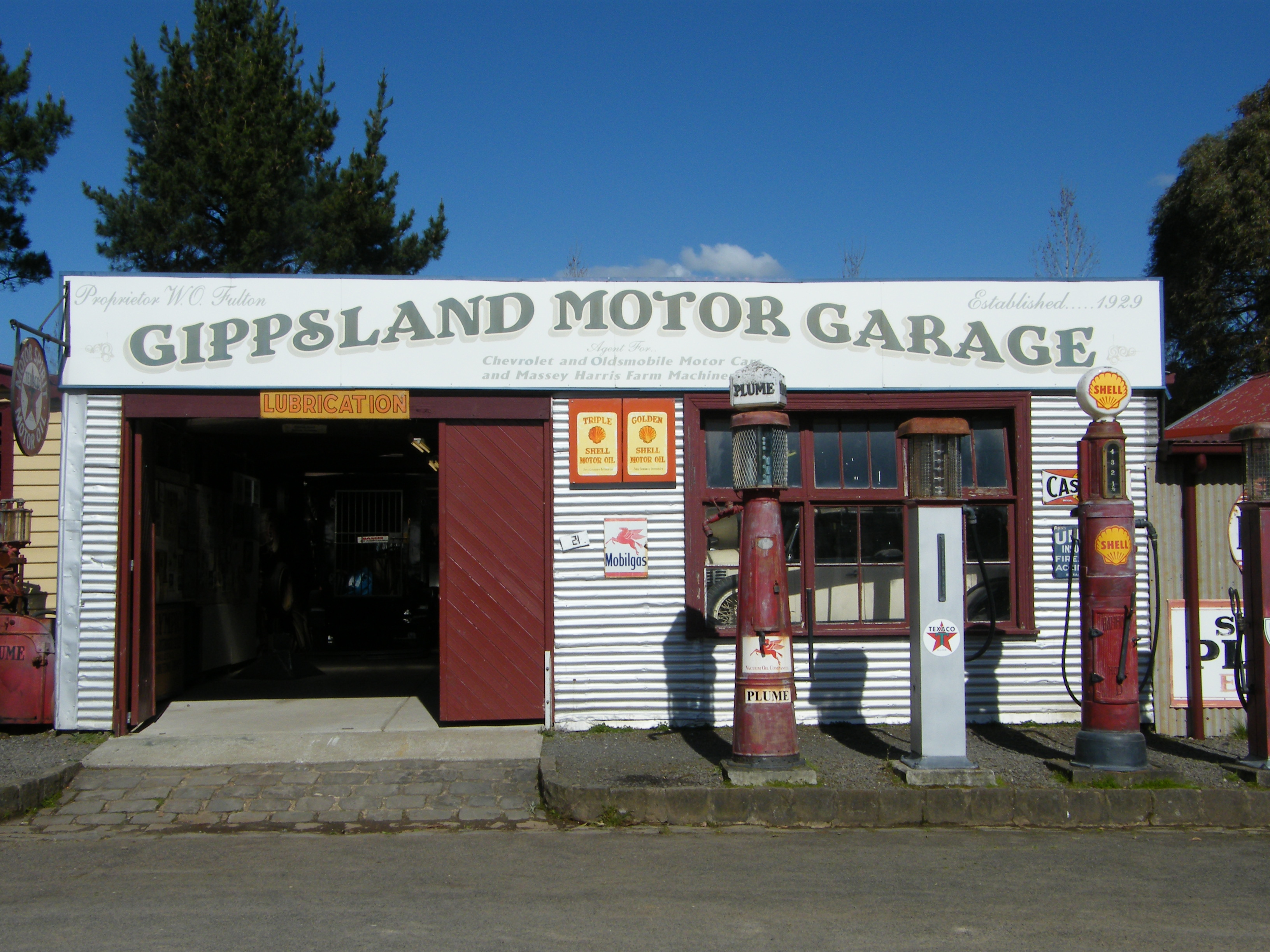 FileGippsland Motor Garage Old GippstownJPG Wikimedia