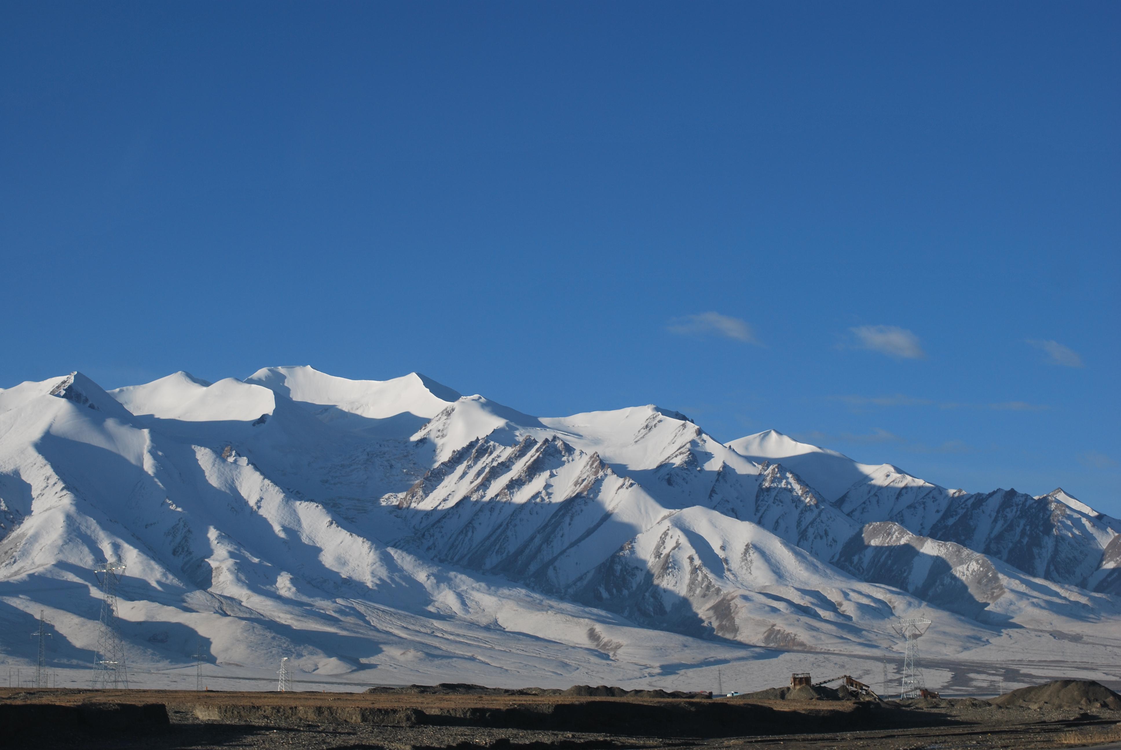 File:Golmud, Haixi, Qinghai, China - panoramio.jpg ...