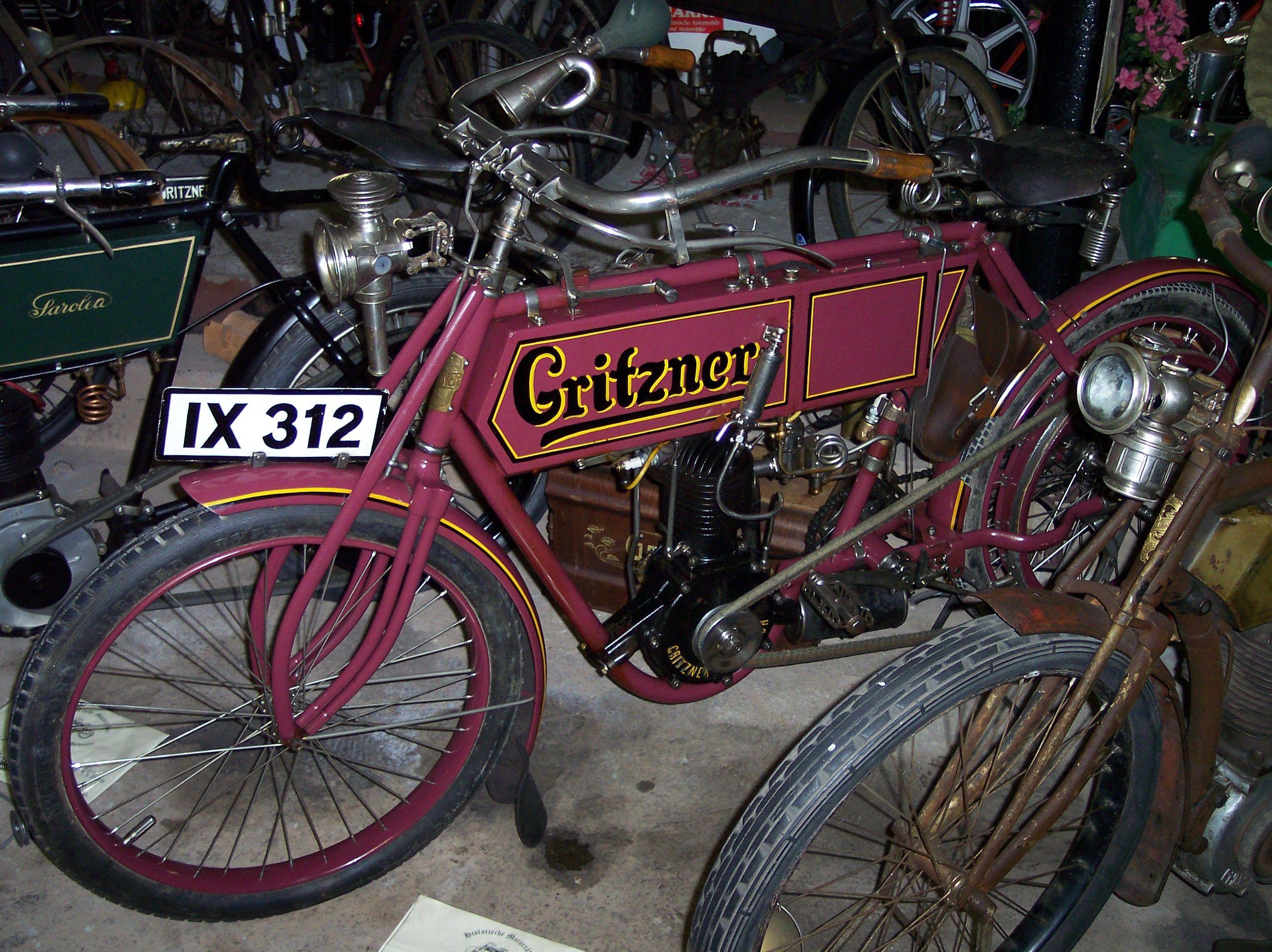Gritzner_1903_Motorcycle.jpg