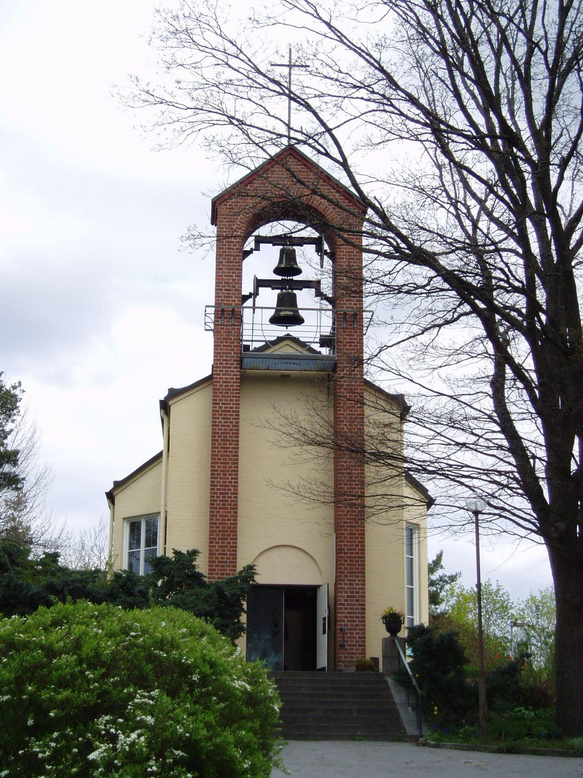 Bild av Hässelby Villastads kyrka