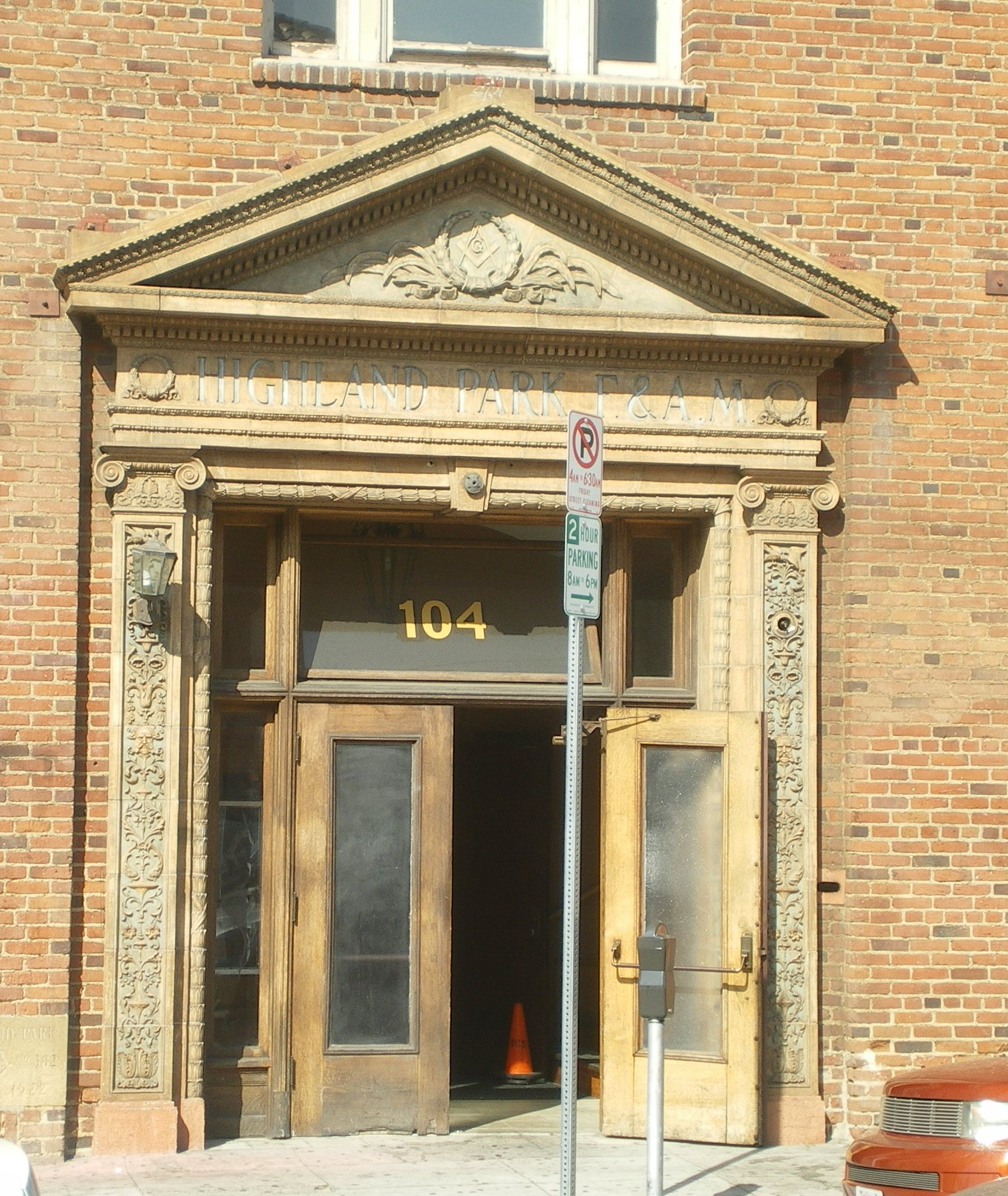 Masonic Temple Building Denver Colorado: File:Highland Park Masonic Temple, Main Entrance.jpg