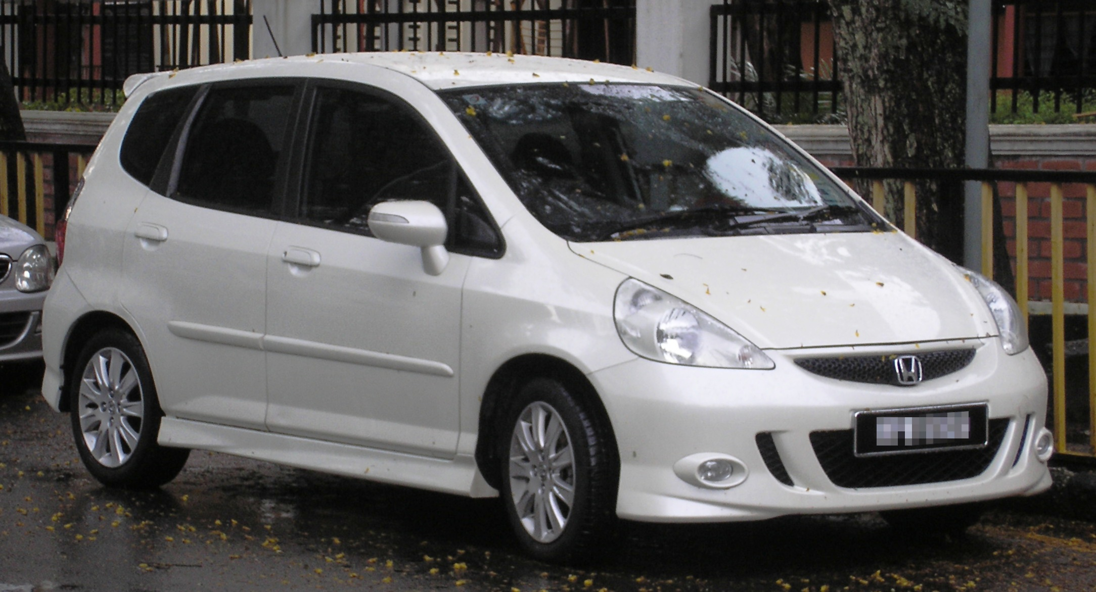 file honda jazz first generation first facelift front kuala wikimedia commons. Black Bedroom Furniture Sets. Home Design Ideas