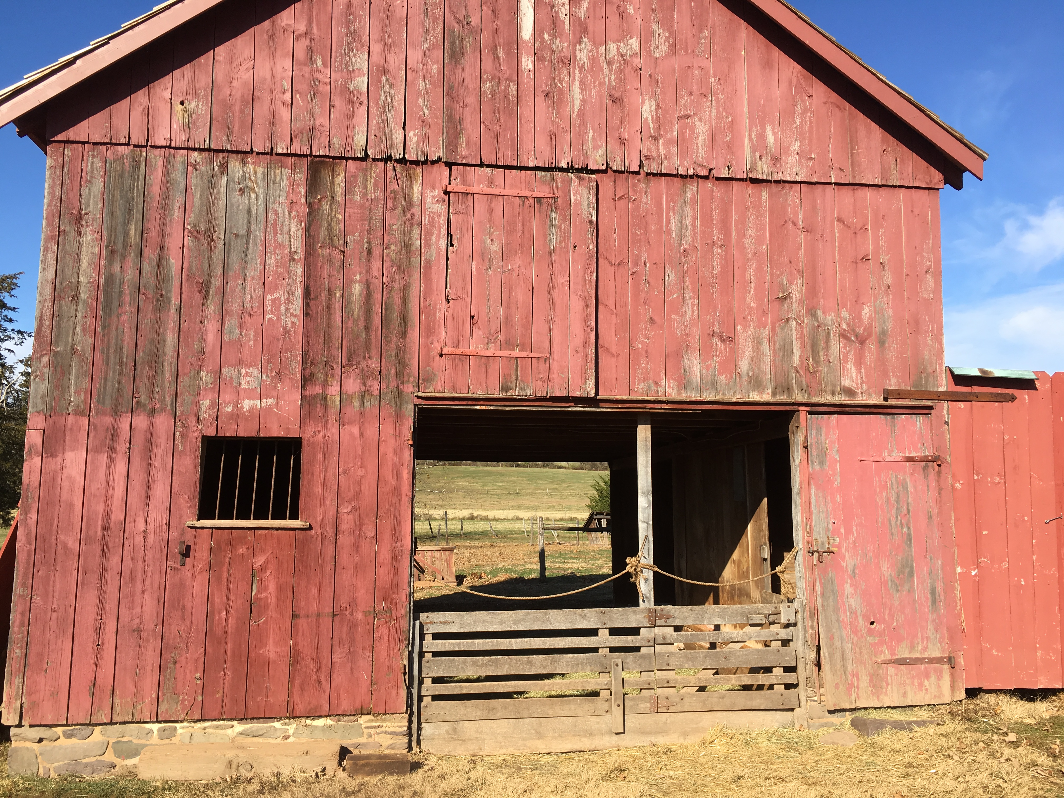 File:Howell Living History Farm barn door open, image 2 ...