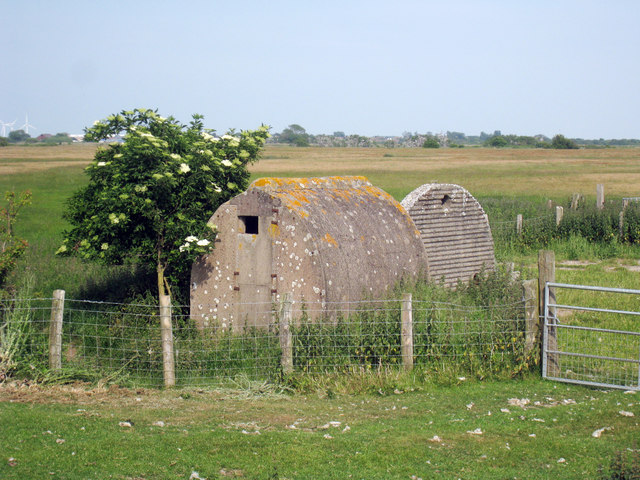 Huts near Camber Castle - geograph.org.uk - 1342564