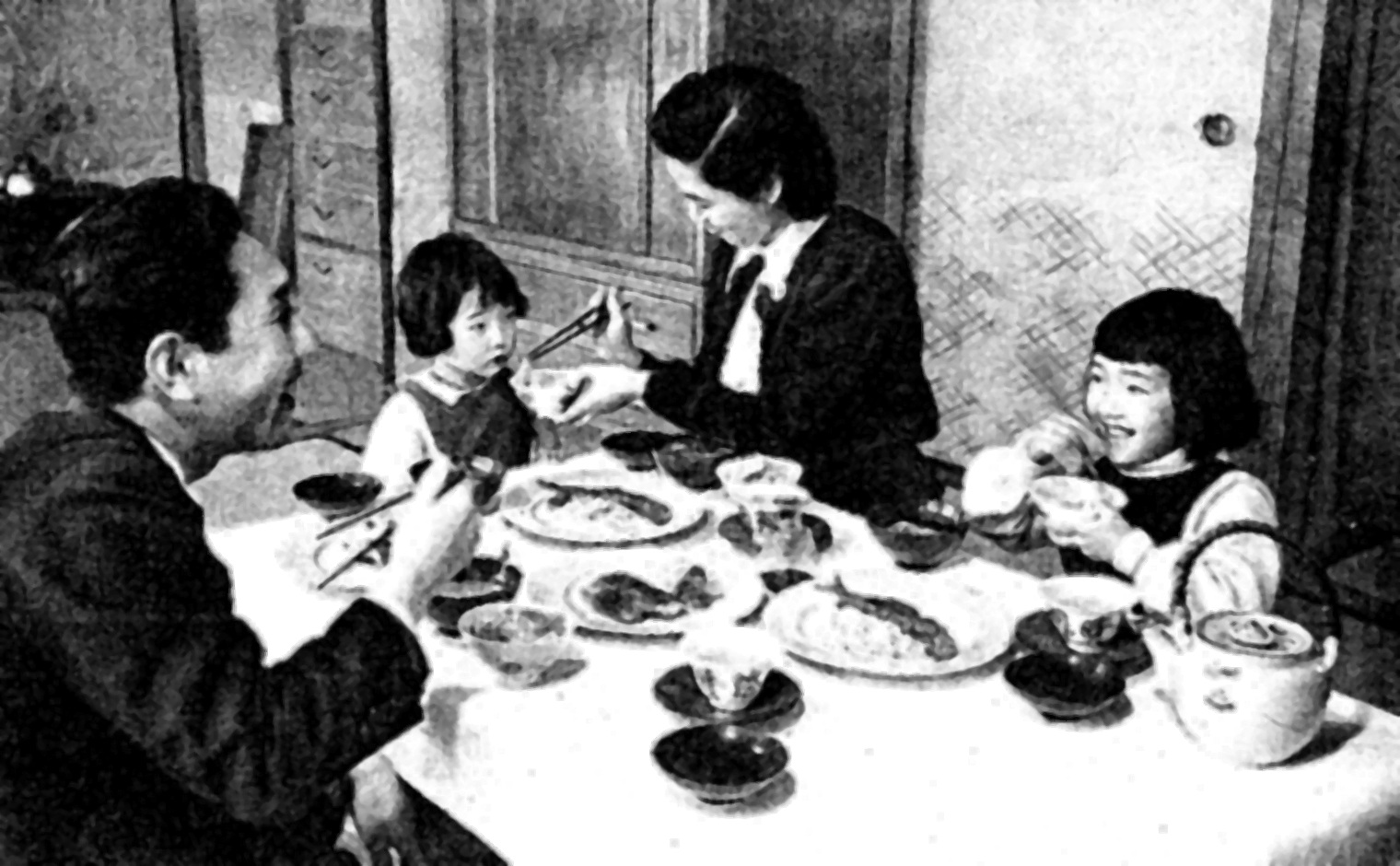 the role of family in japan Topics resources what's new links courses learning savvylearners japanese ways czech ways instr design web publishing japanese education japanese ed.