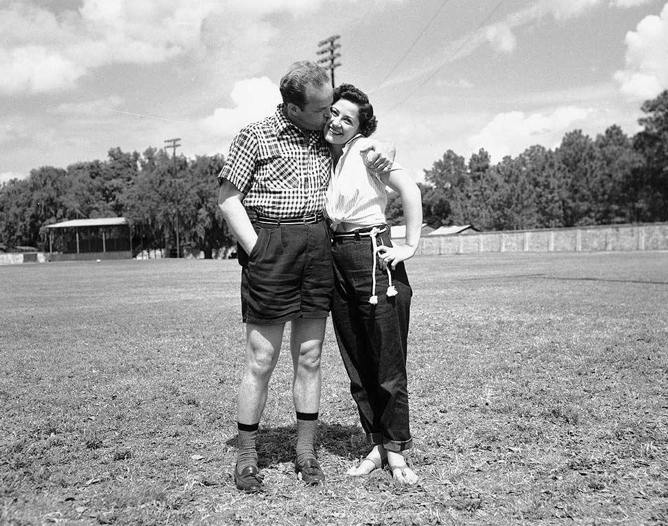File:Jean and Jack Kent Cooke Toronto Maple Leafs Baseball